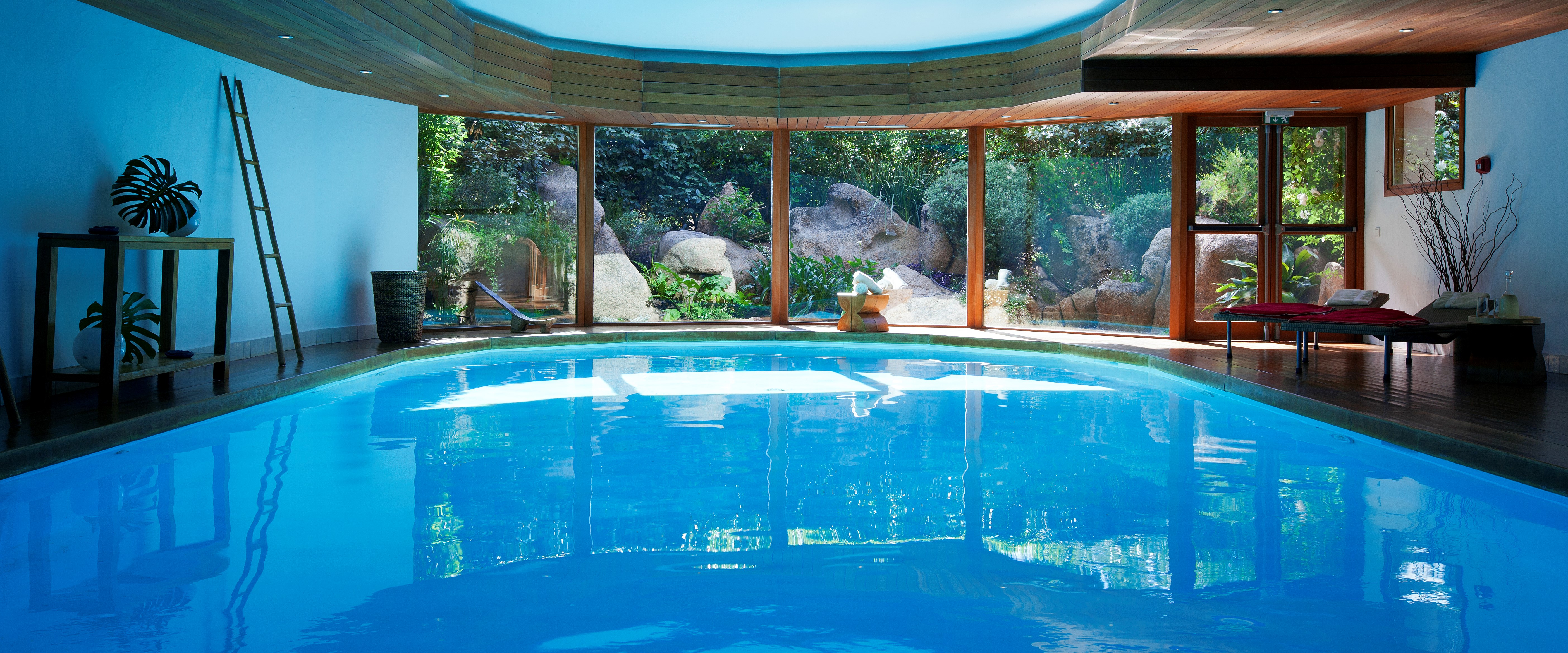 spa-pool-grand-hotel-de-cala-rossa