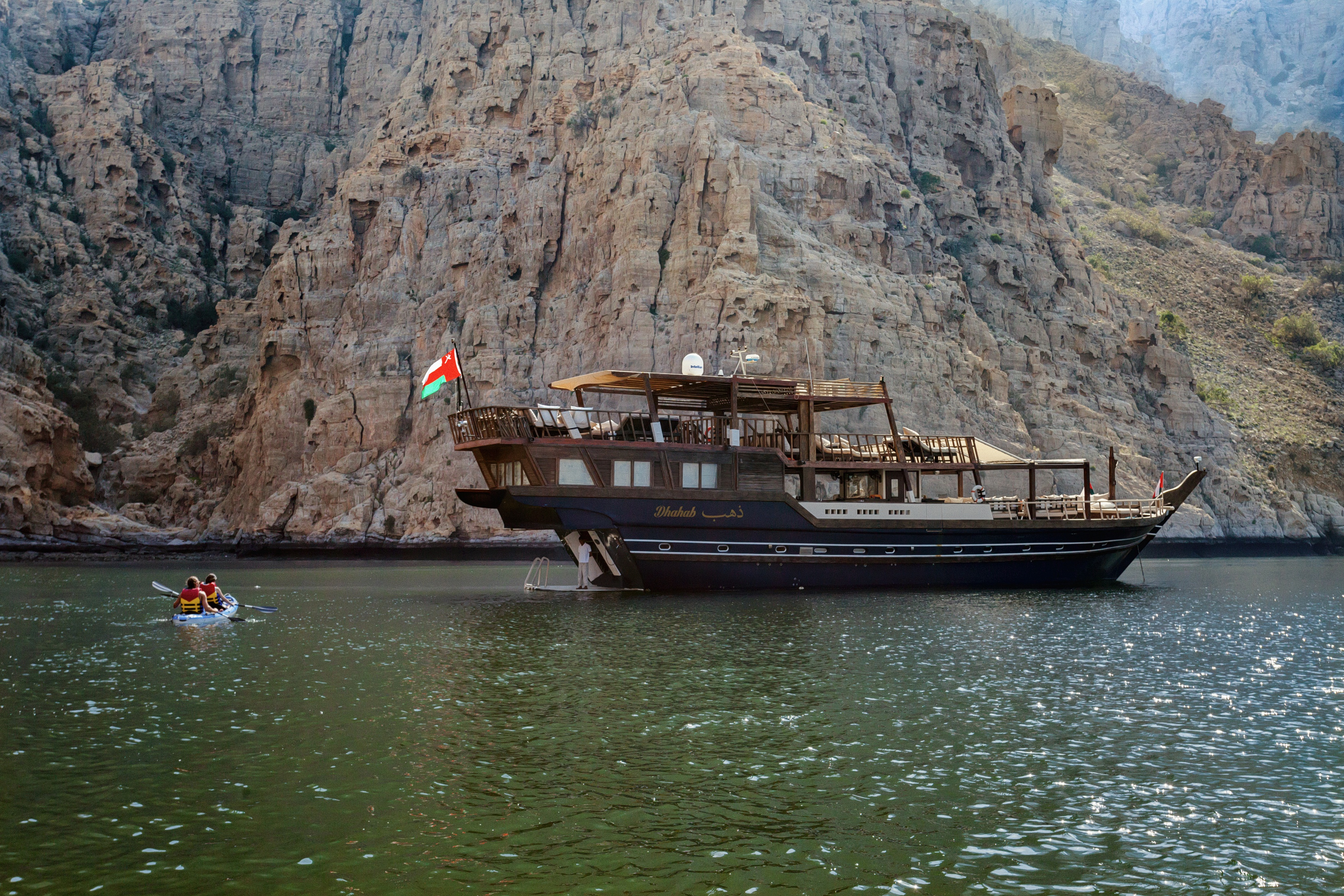 dhahab-six-senses-luxury-dhow