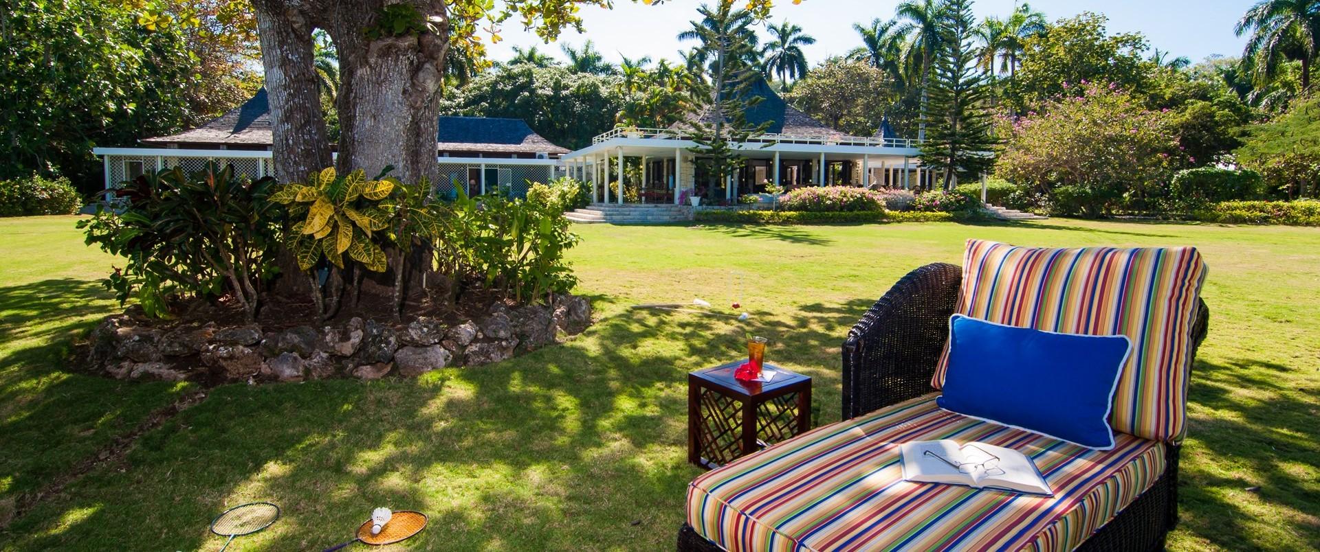 large-family-beach-villa-jamaica