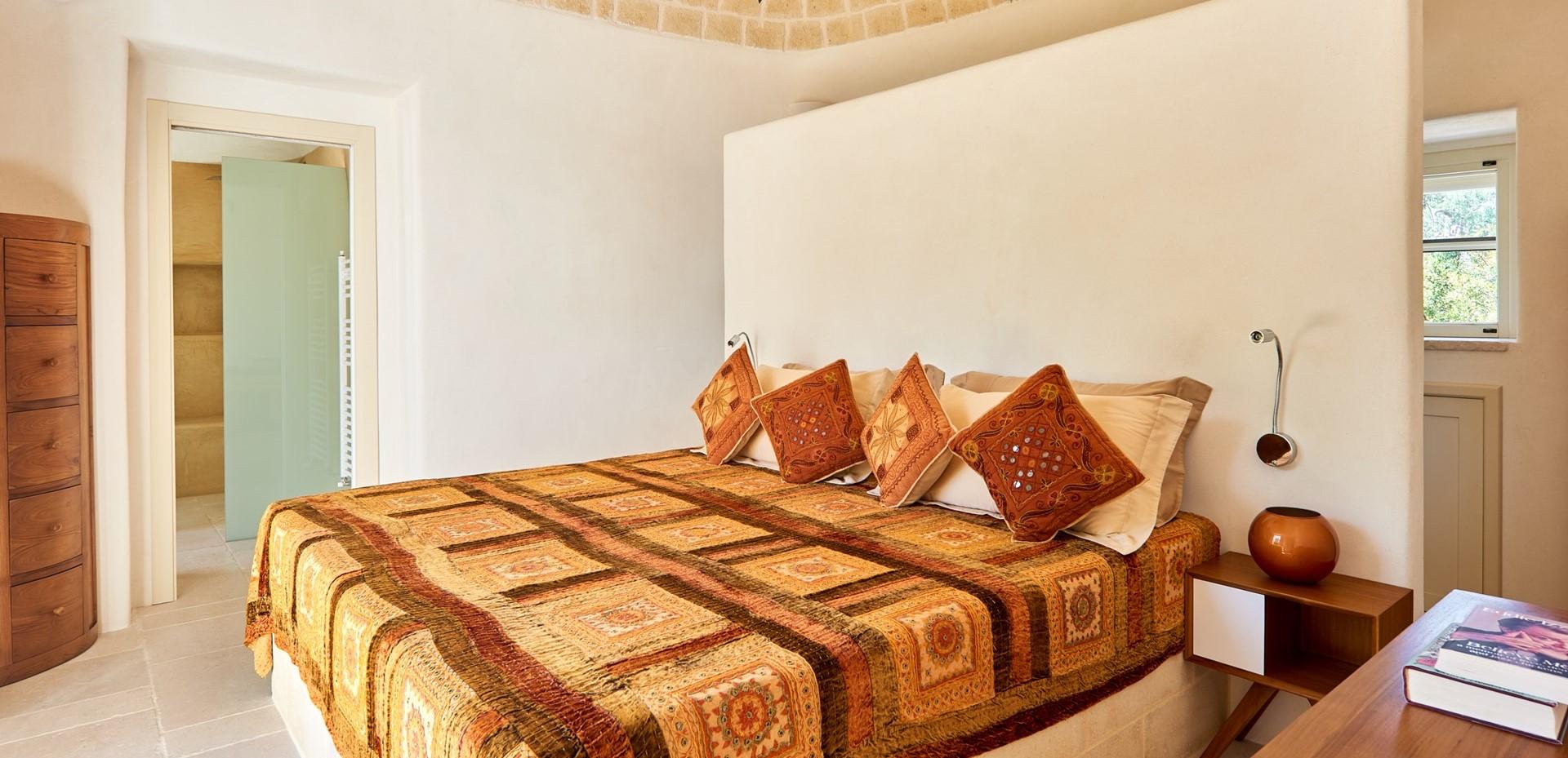 trulli-fiori-puglia-master-bedroom-2