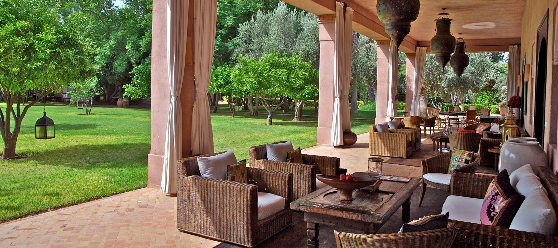 villa-ezzahra-shaded-garden-terrace