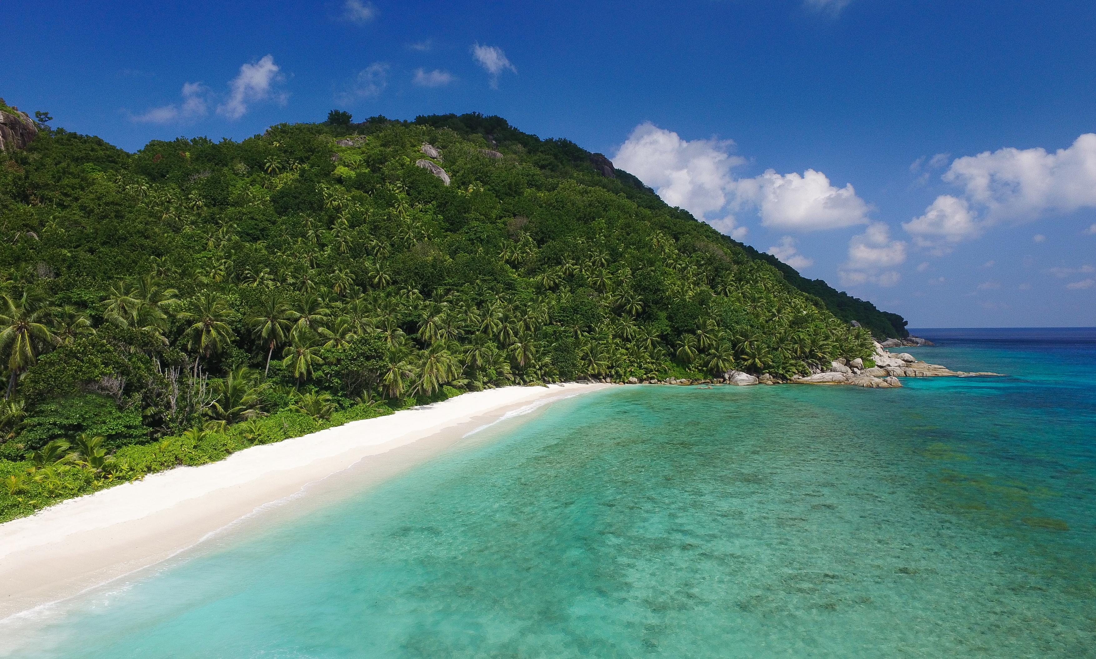 Grand_Anse_Beach_seychelles
