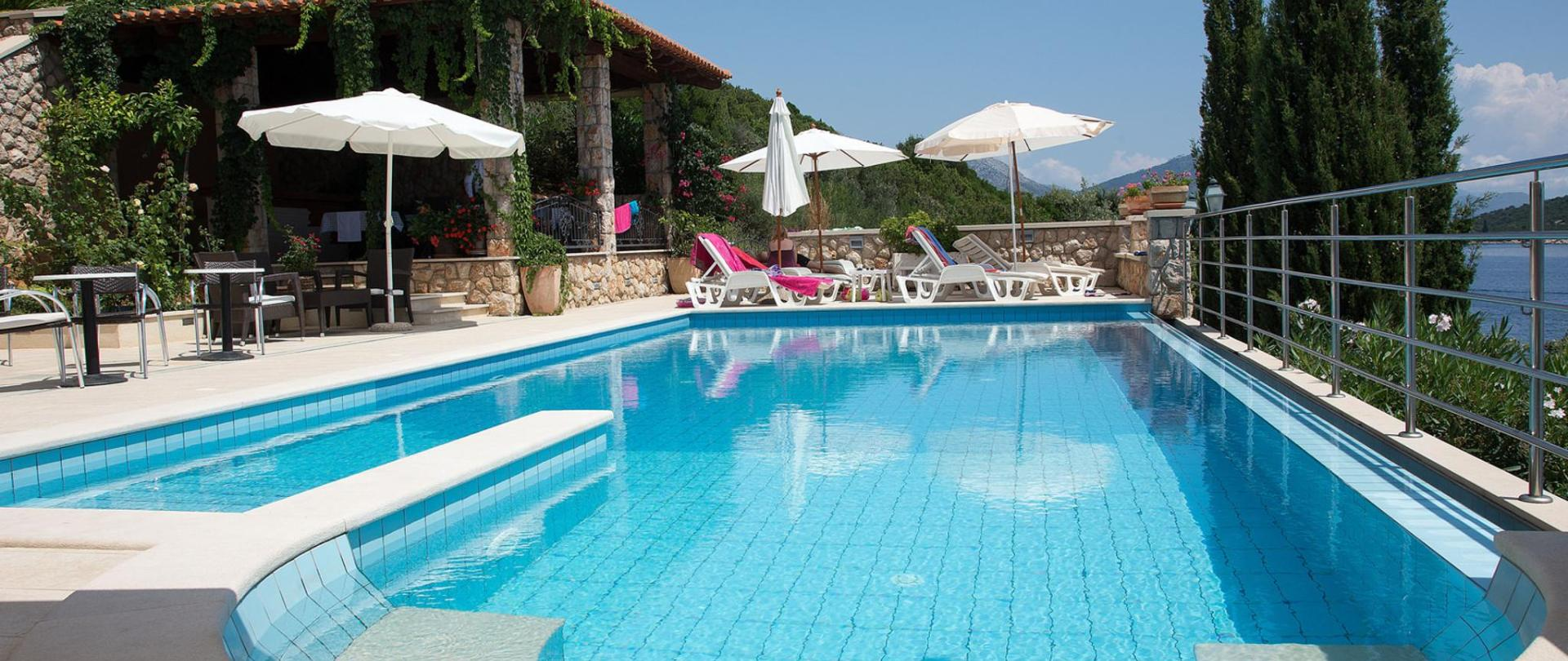hotel-bozica-swimming-pool