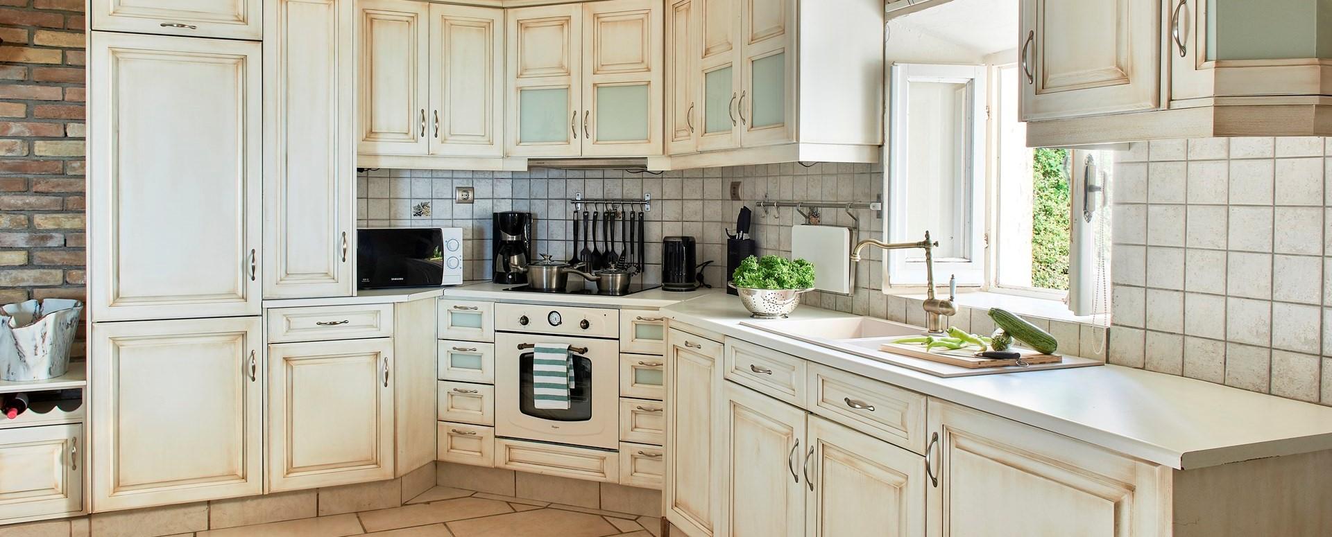 villa-kokkini-corfu-kitchen