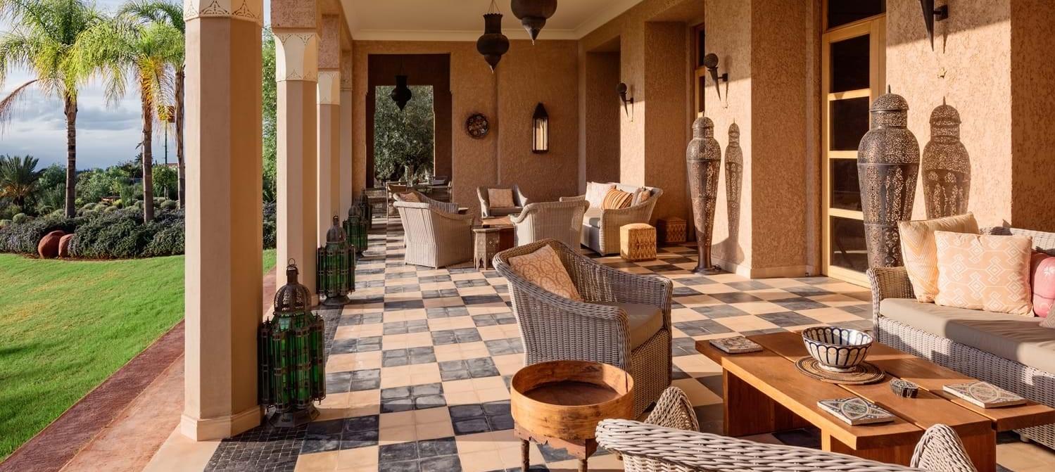 villa-cobalt-blue-garden-terrace