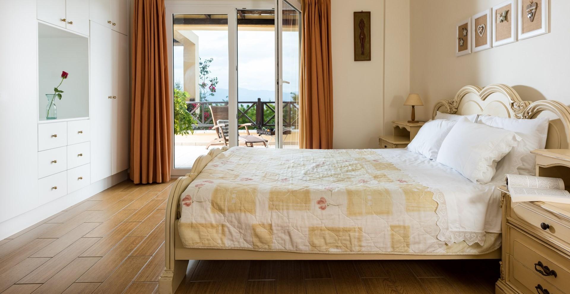 villa-estia-paxos-double-bedroom