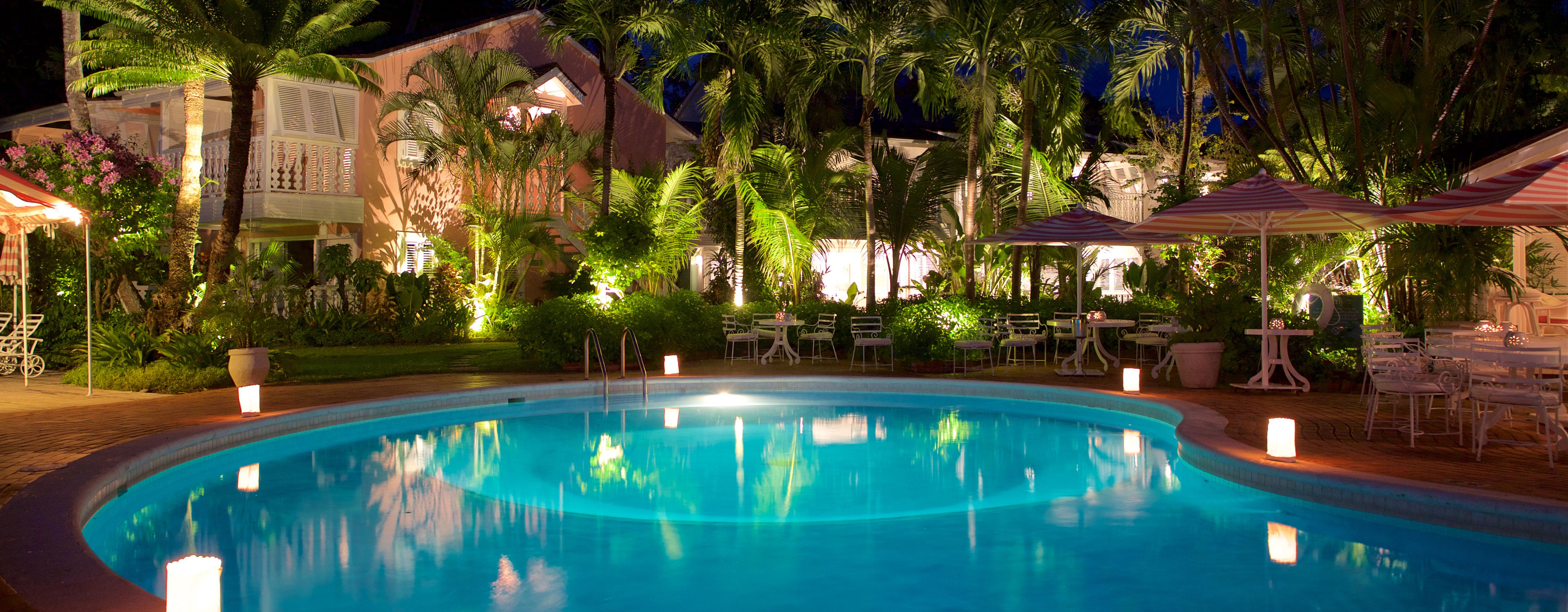 cobblers-cove-pool-night