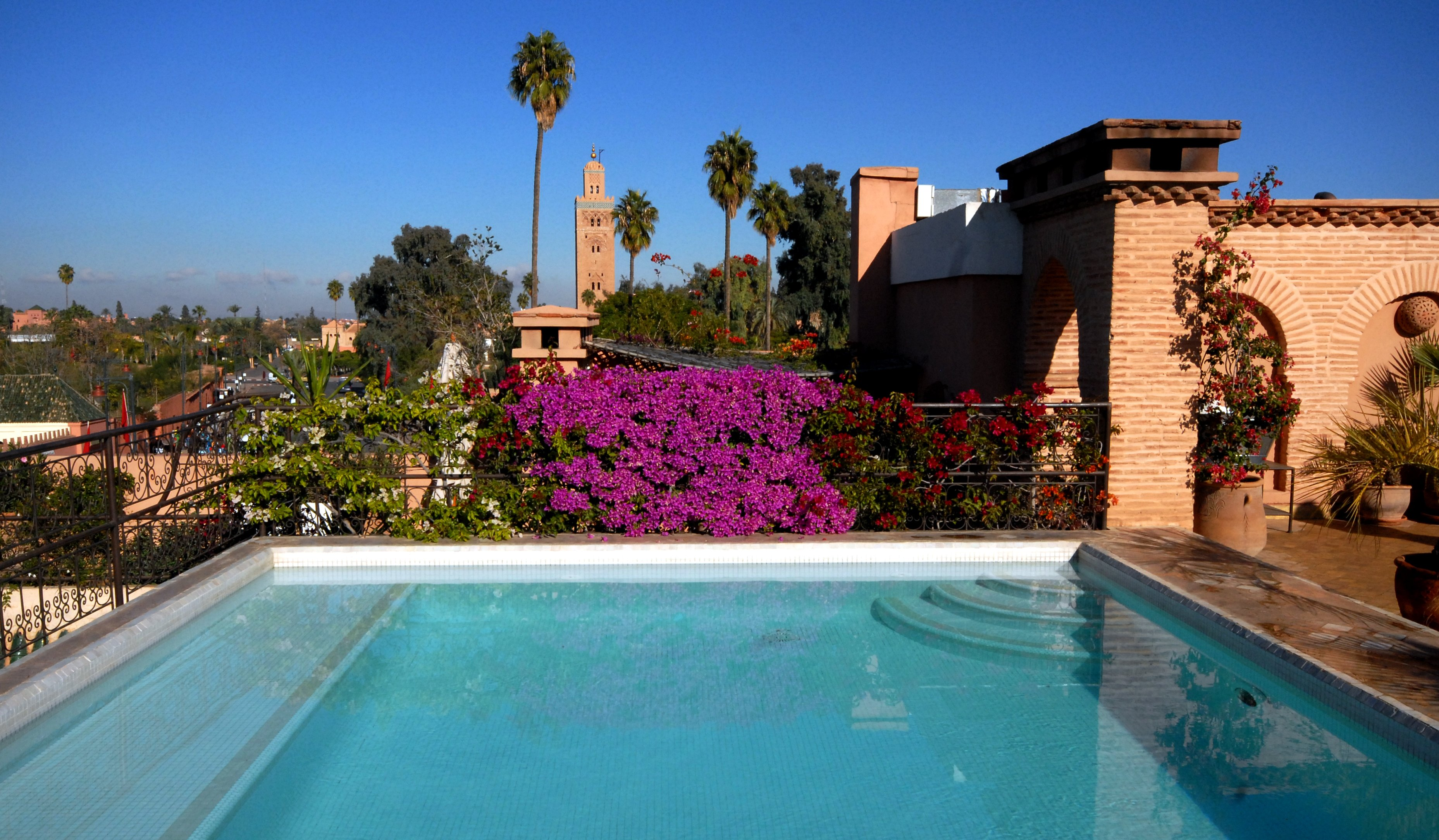 Rooftop-pool-villa-des-orangers