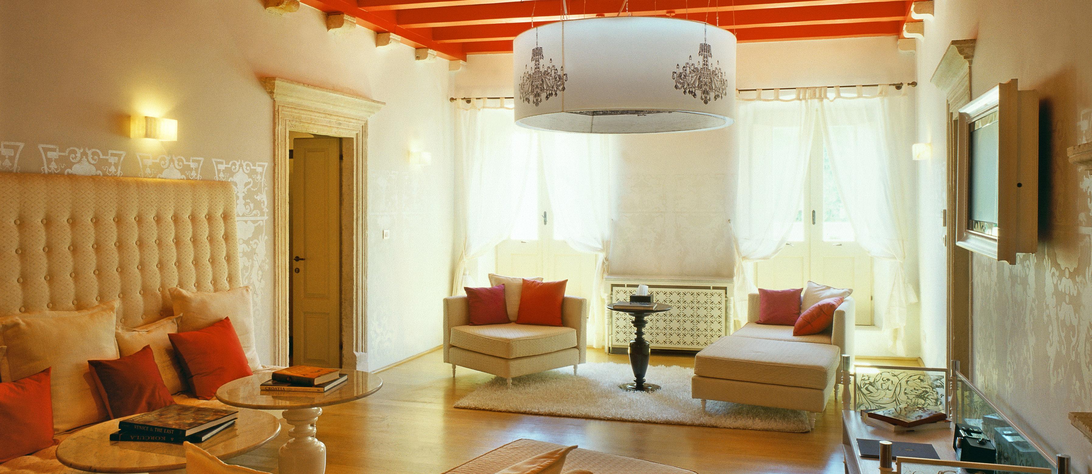 lesic-dimitri-palace-suite