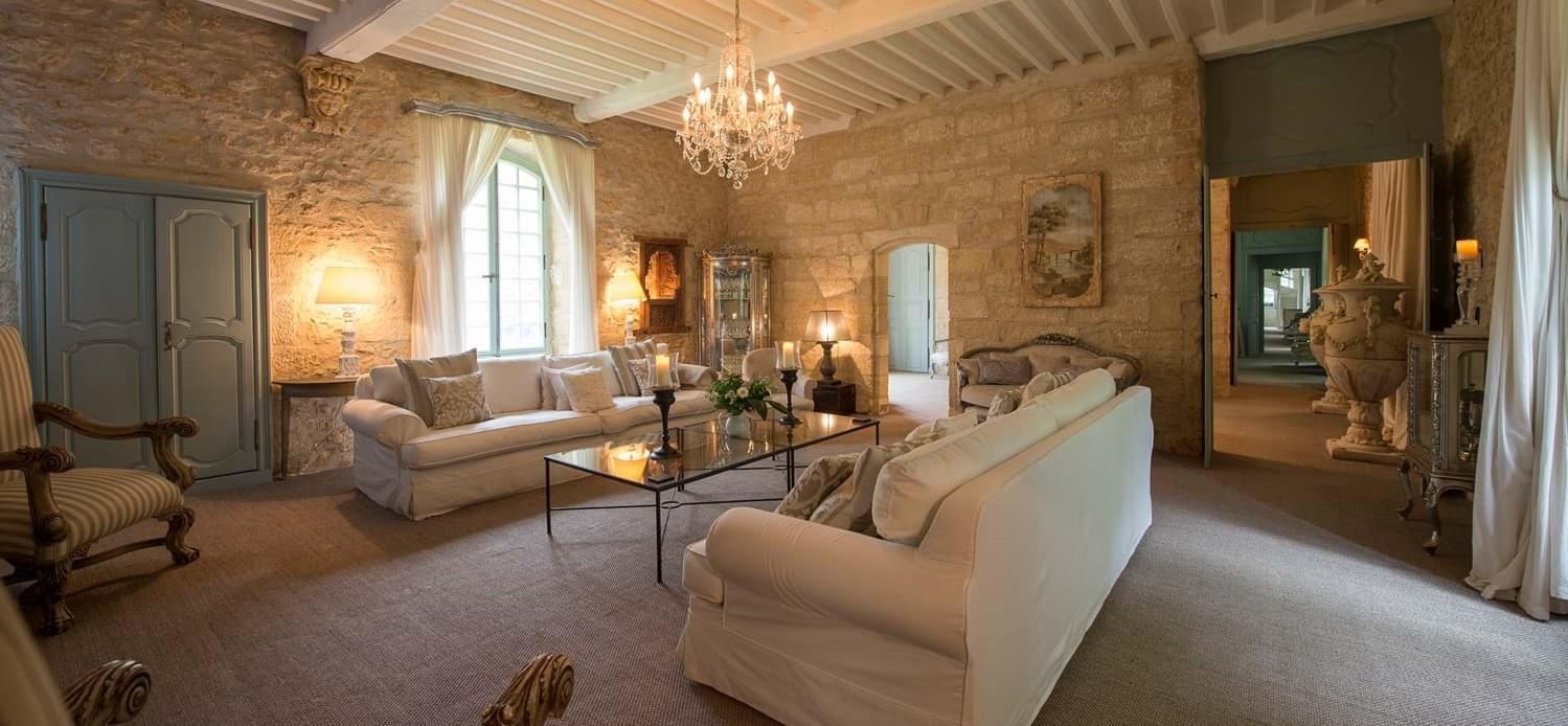 chateau-le-chartreuse-lounge