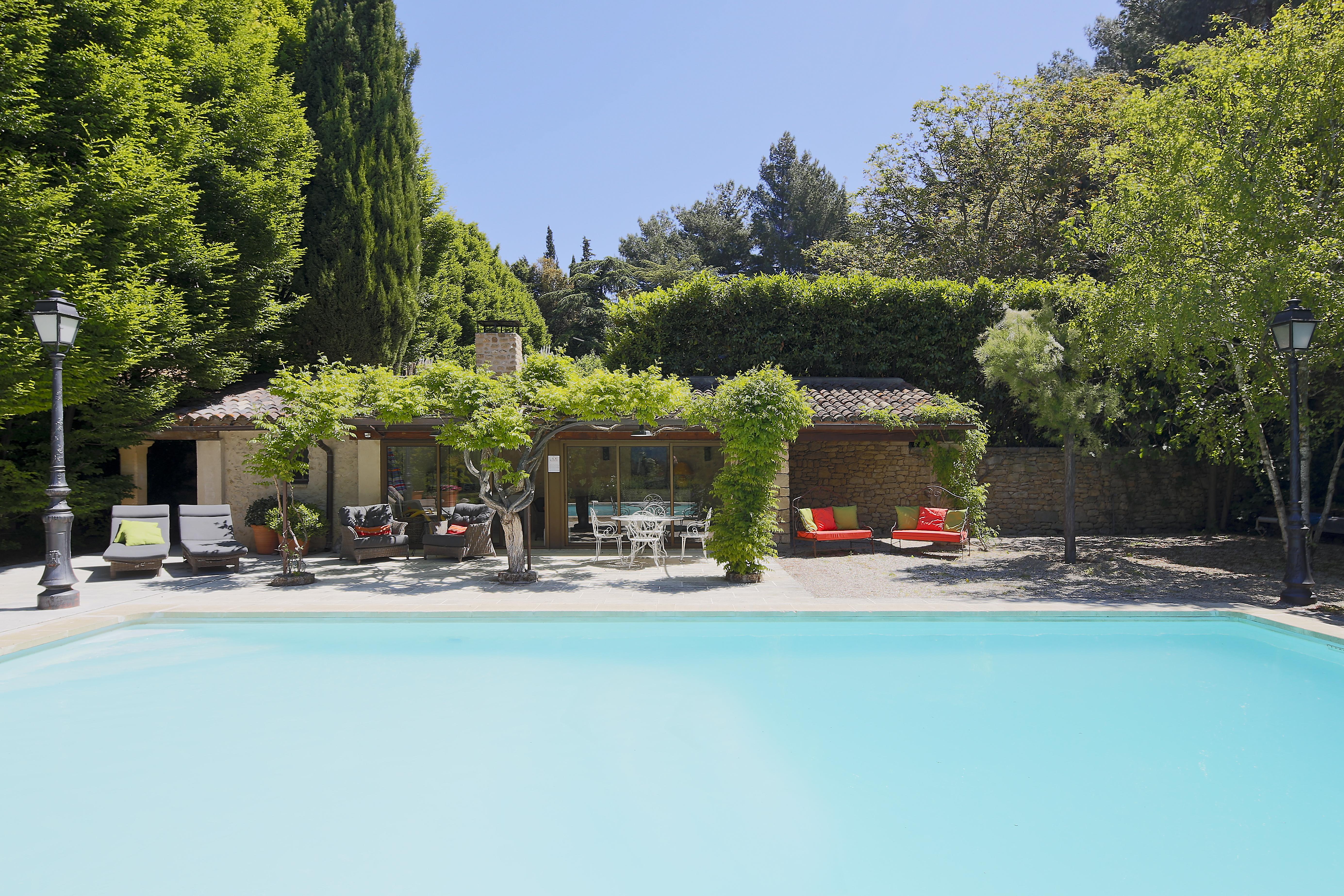 luxury-villa-holiday-provence