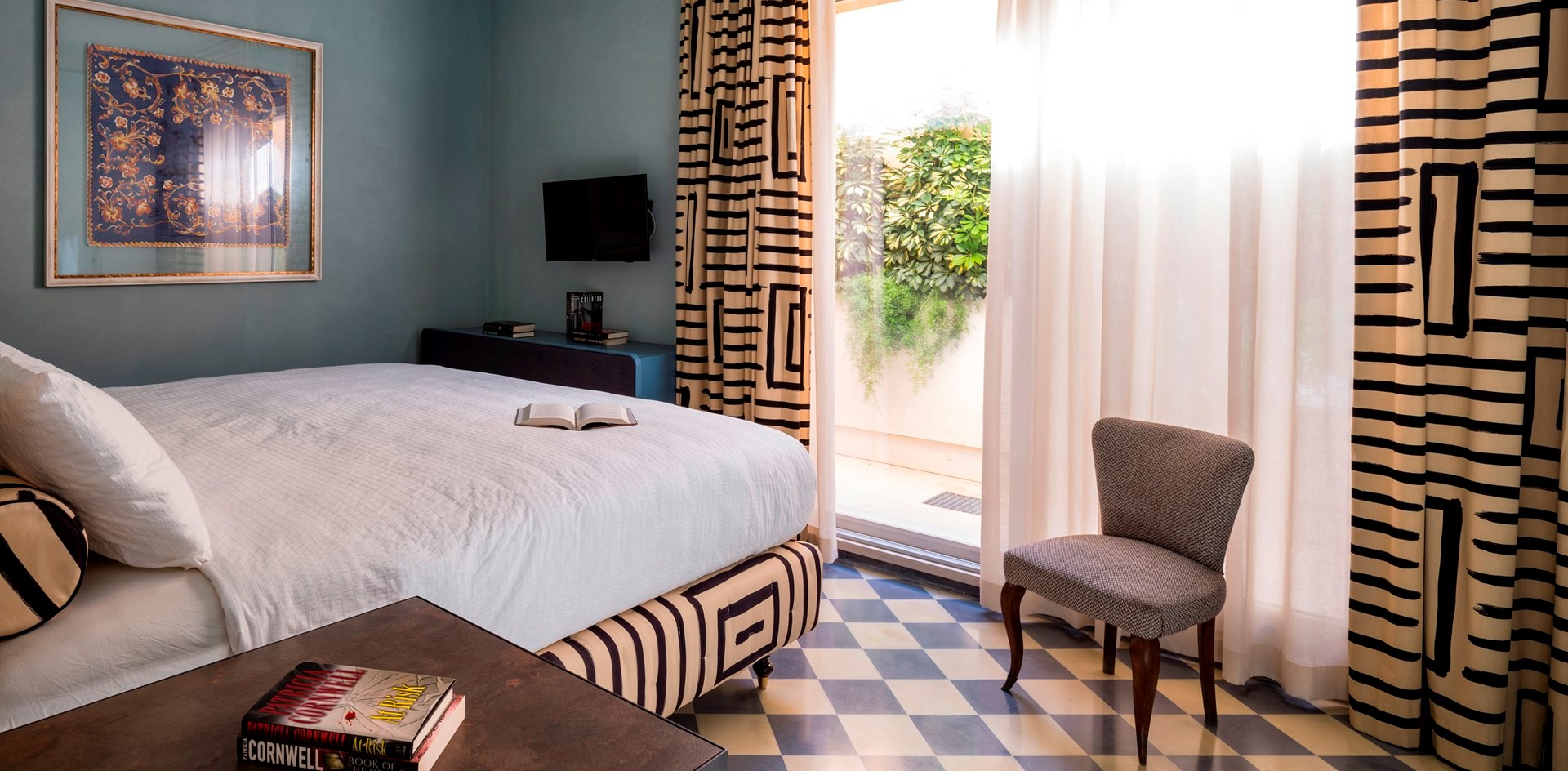 villa-dell-aquila-bedroom-2