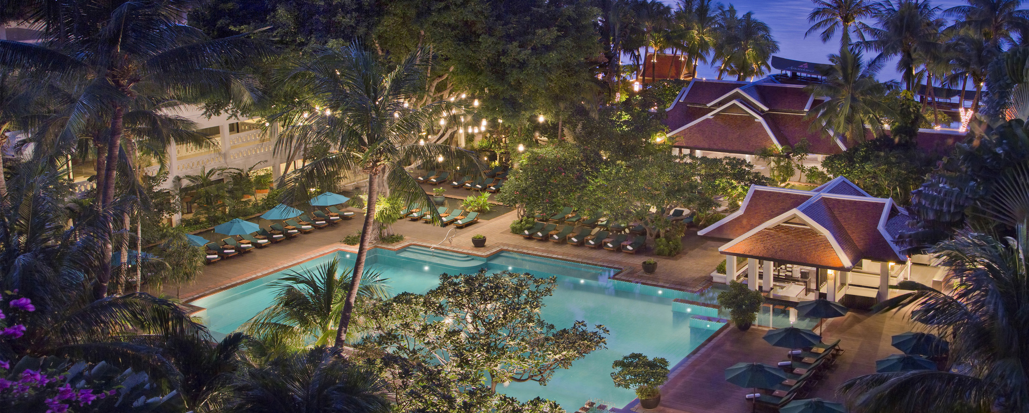 anantara-riverside-bangkok-twlight