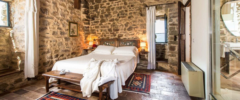 borgo-san-biagio-master-bedroom