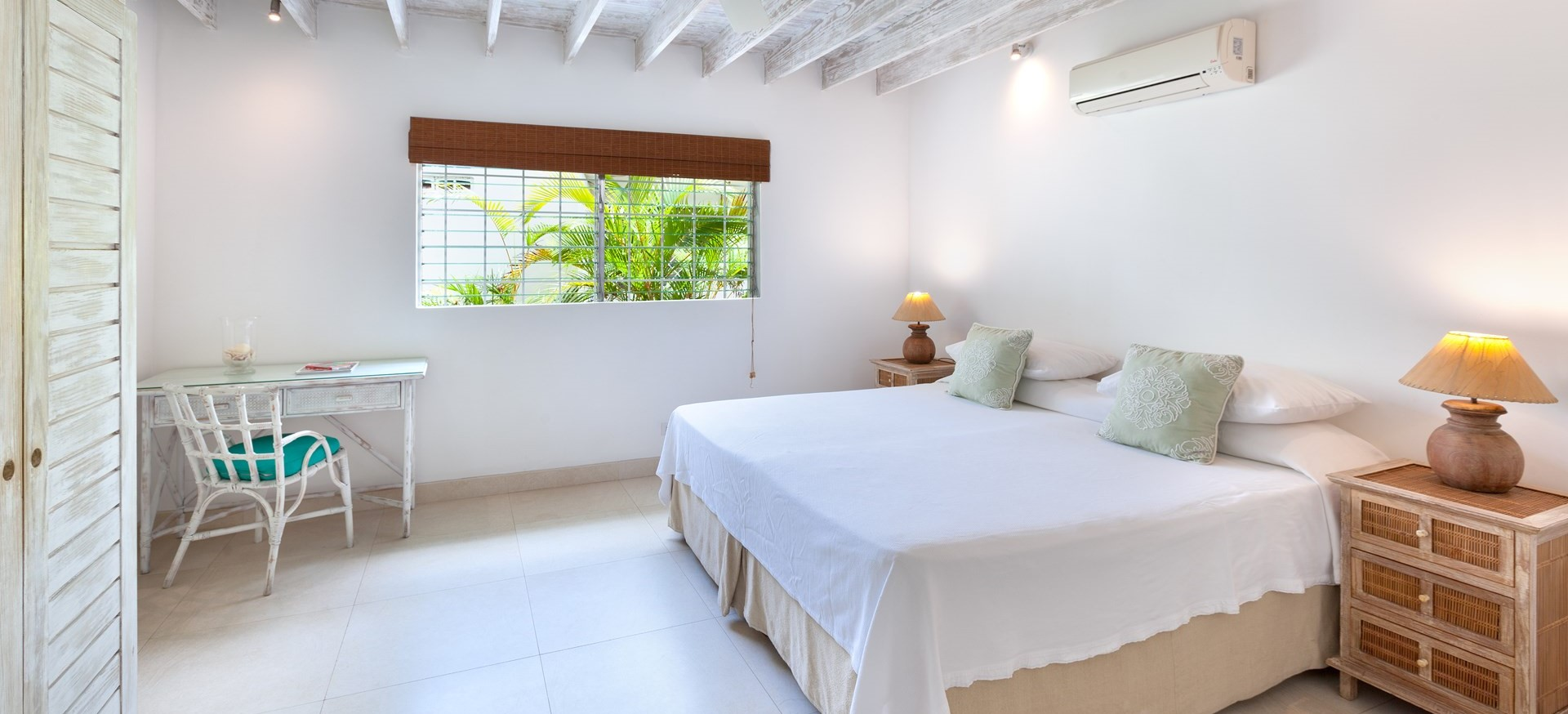 easy-reach-villa-barbados-bedroom-3