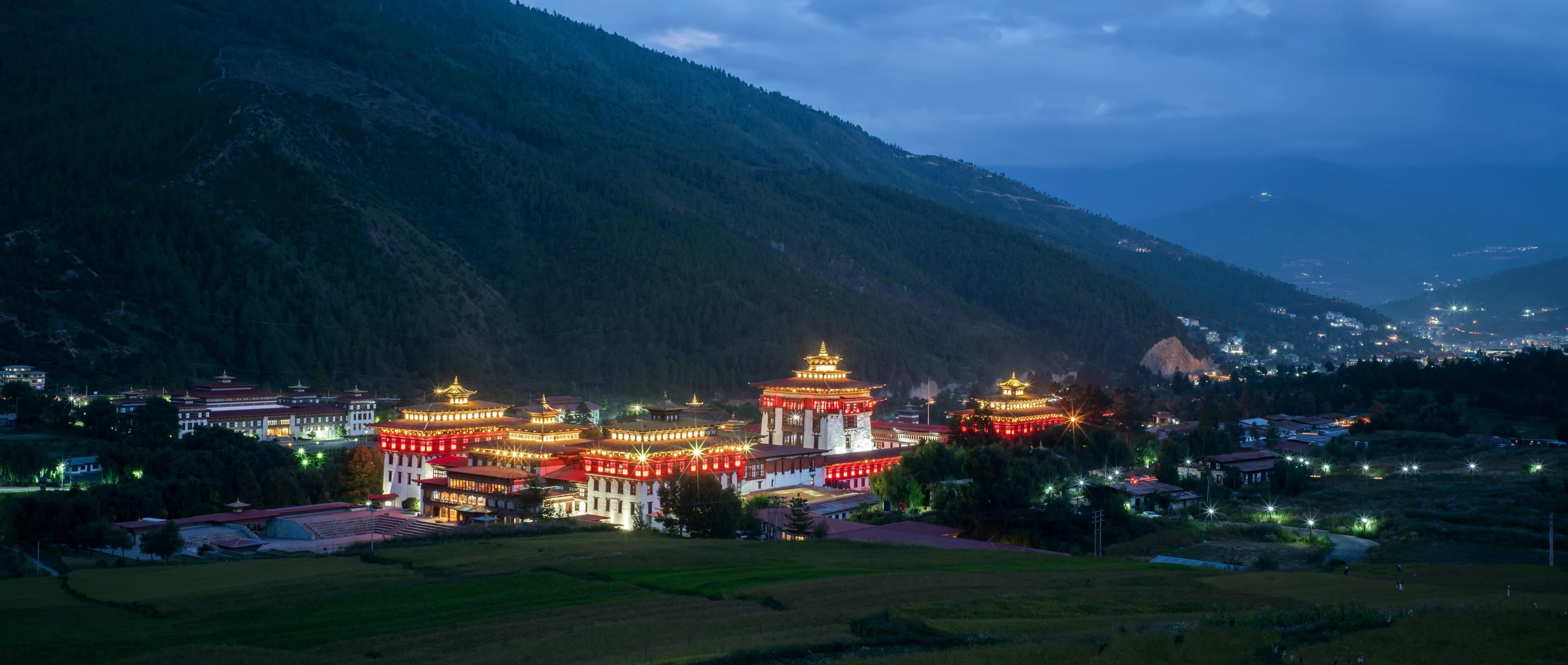 Thimphu-Dzong-at-twilight