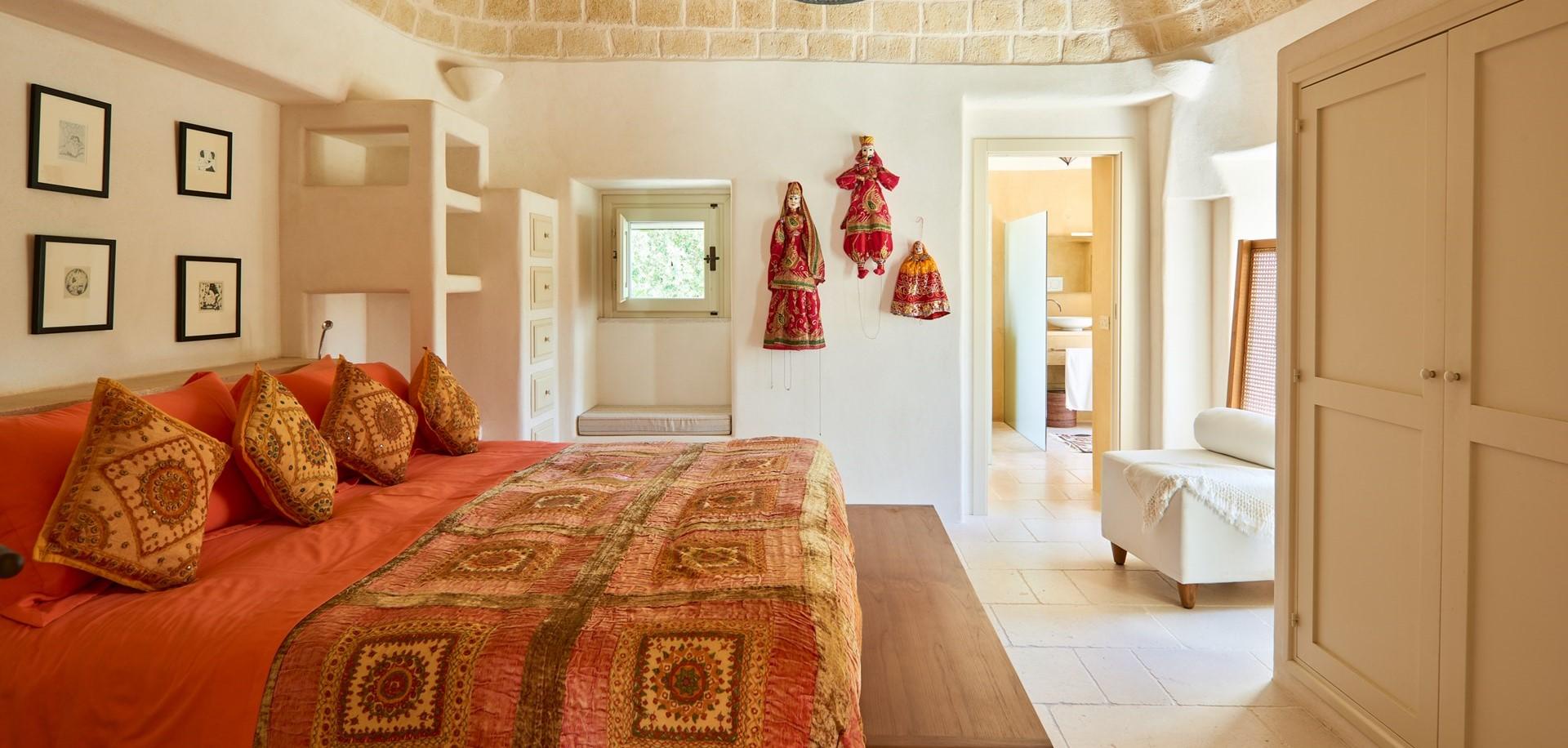 trulli-fiori-puglia-master-bedroom-1