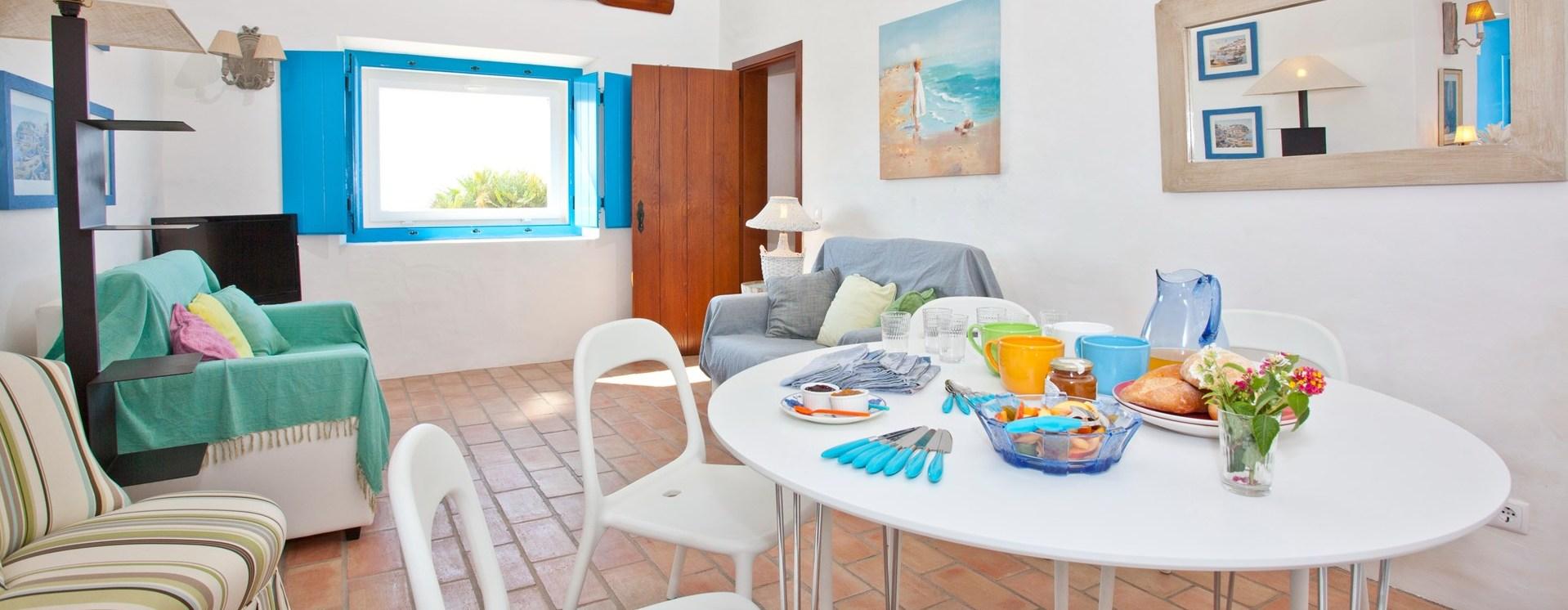 beach-cottage-interior