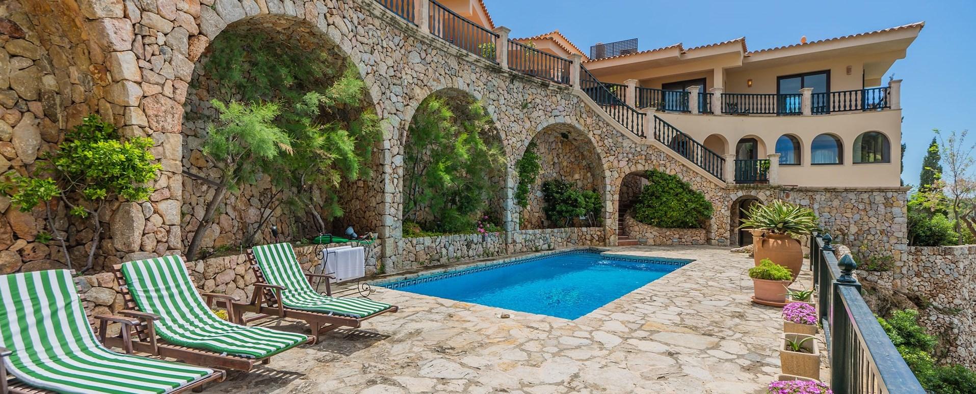 villa-el-mirador-pool-terrace