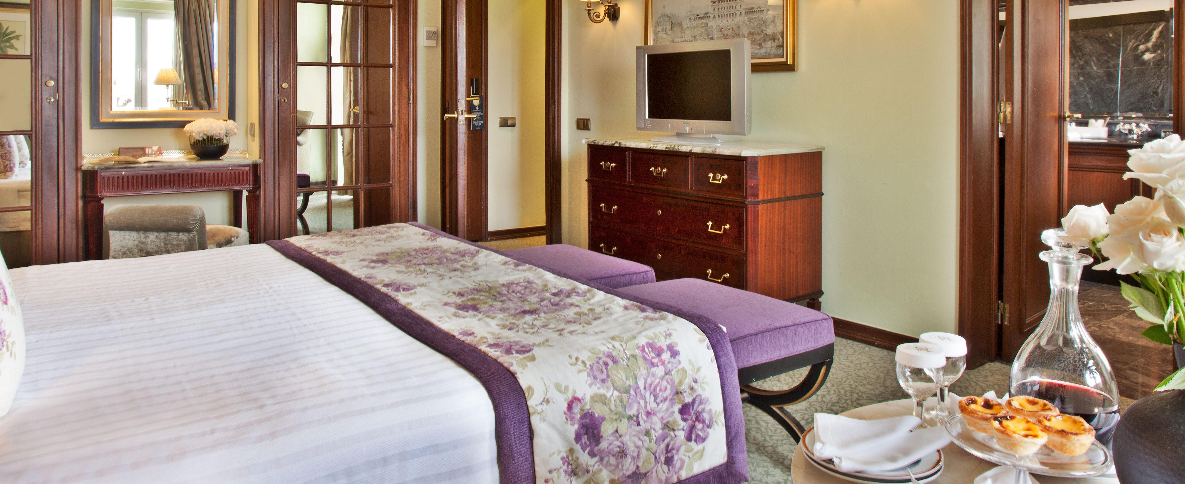 superior-deluxe-bedroom