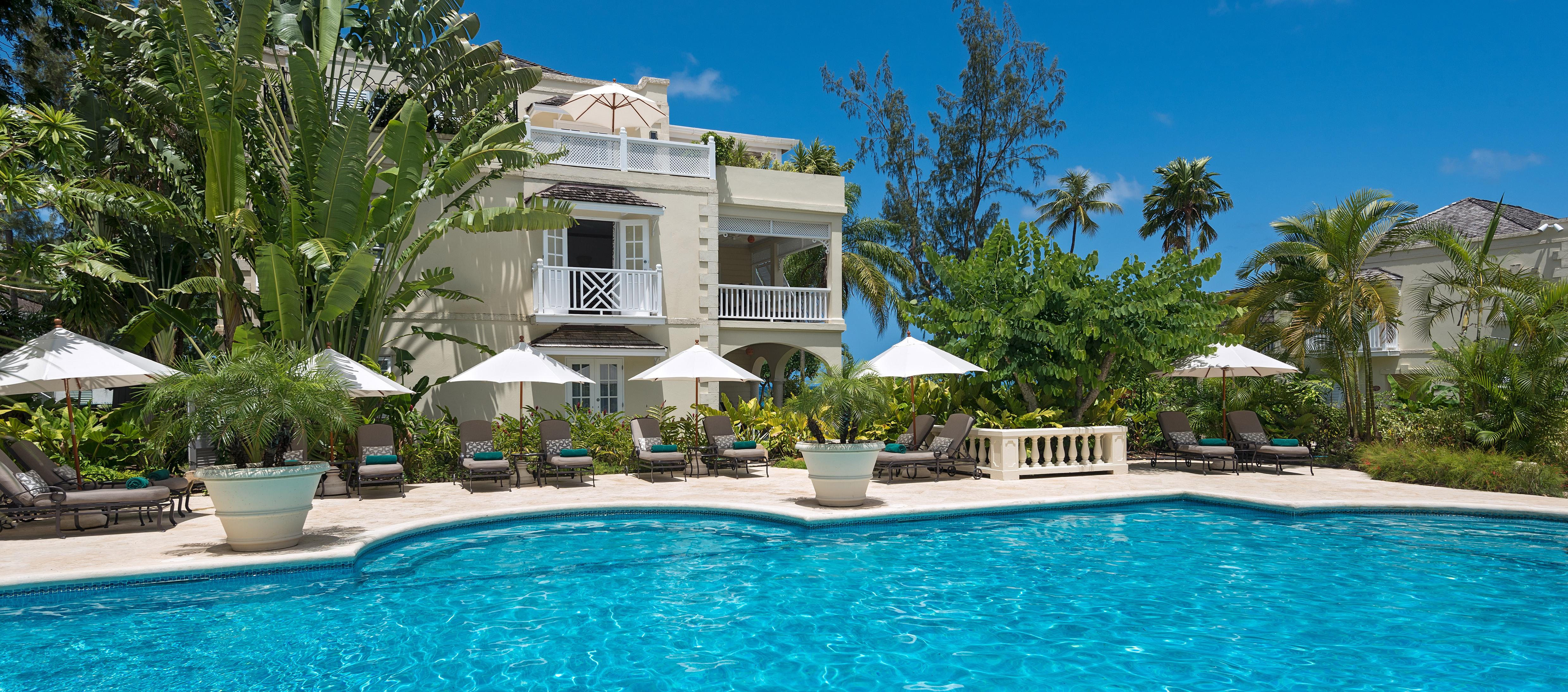 coral-reef-club-pool