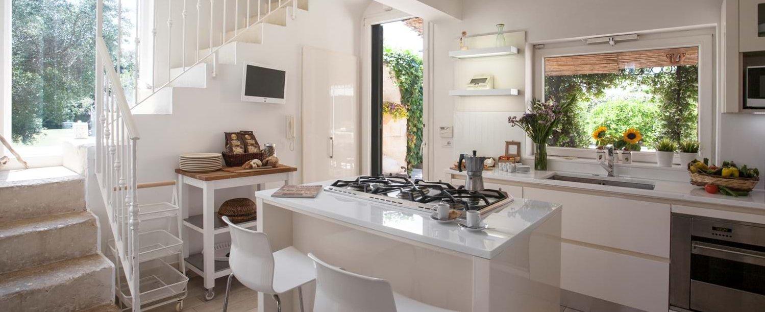 villa-lucia-puglia-kitchen1