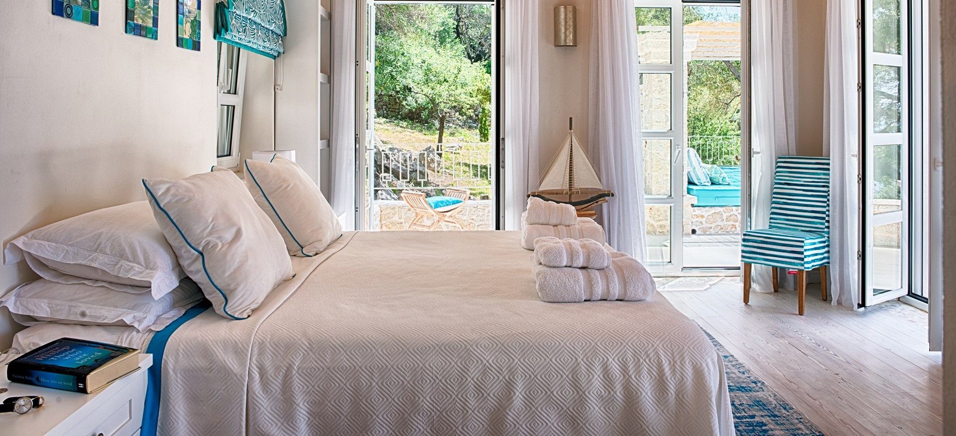 pebble-bay-master-bedroom-2