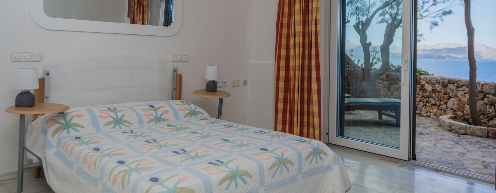 el-mirador-double-bedroom-2