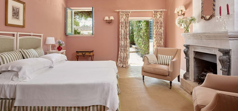 villa-la-dimora-double-bedroom-2