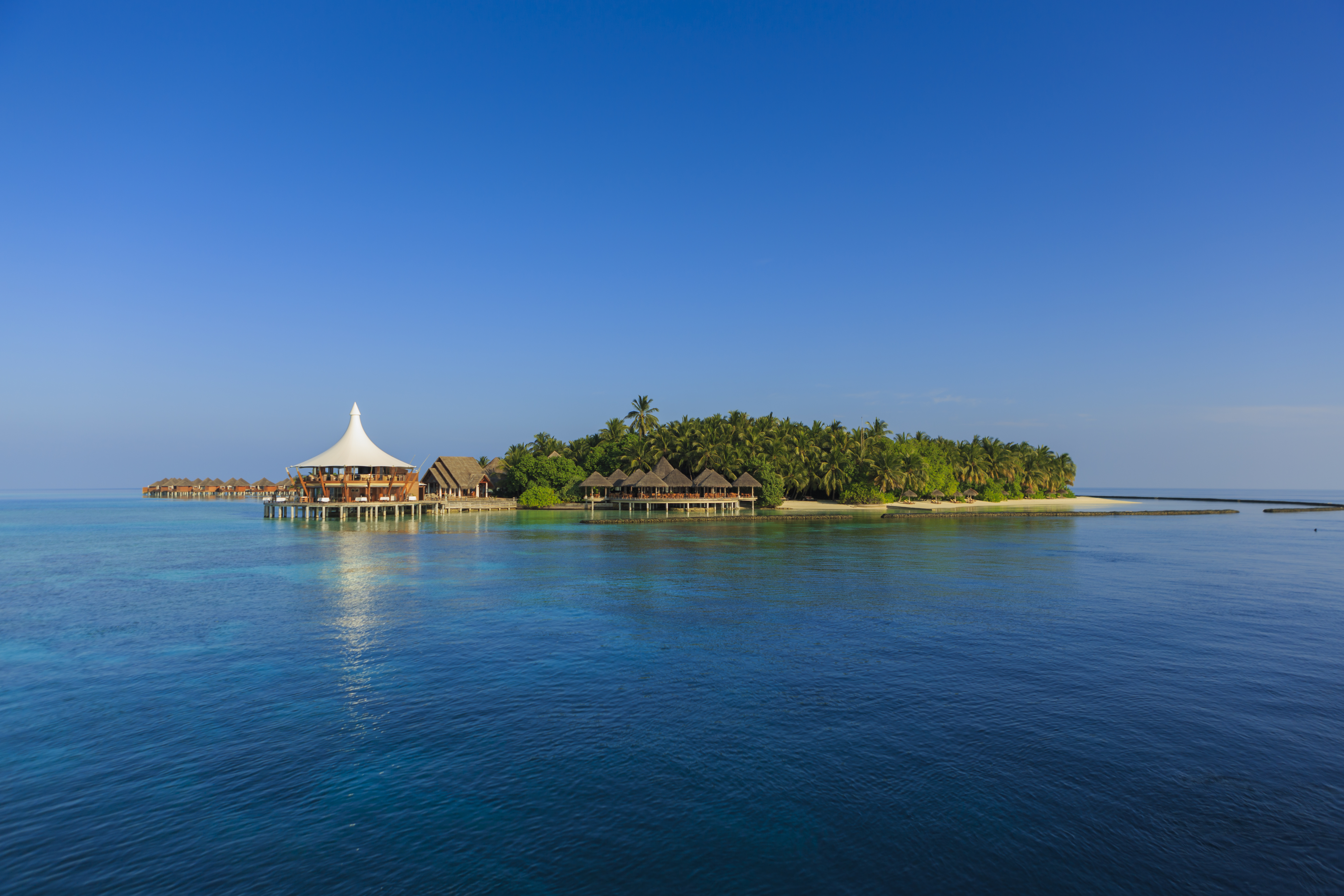 baros-maldives-view-from-ocean
