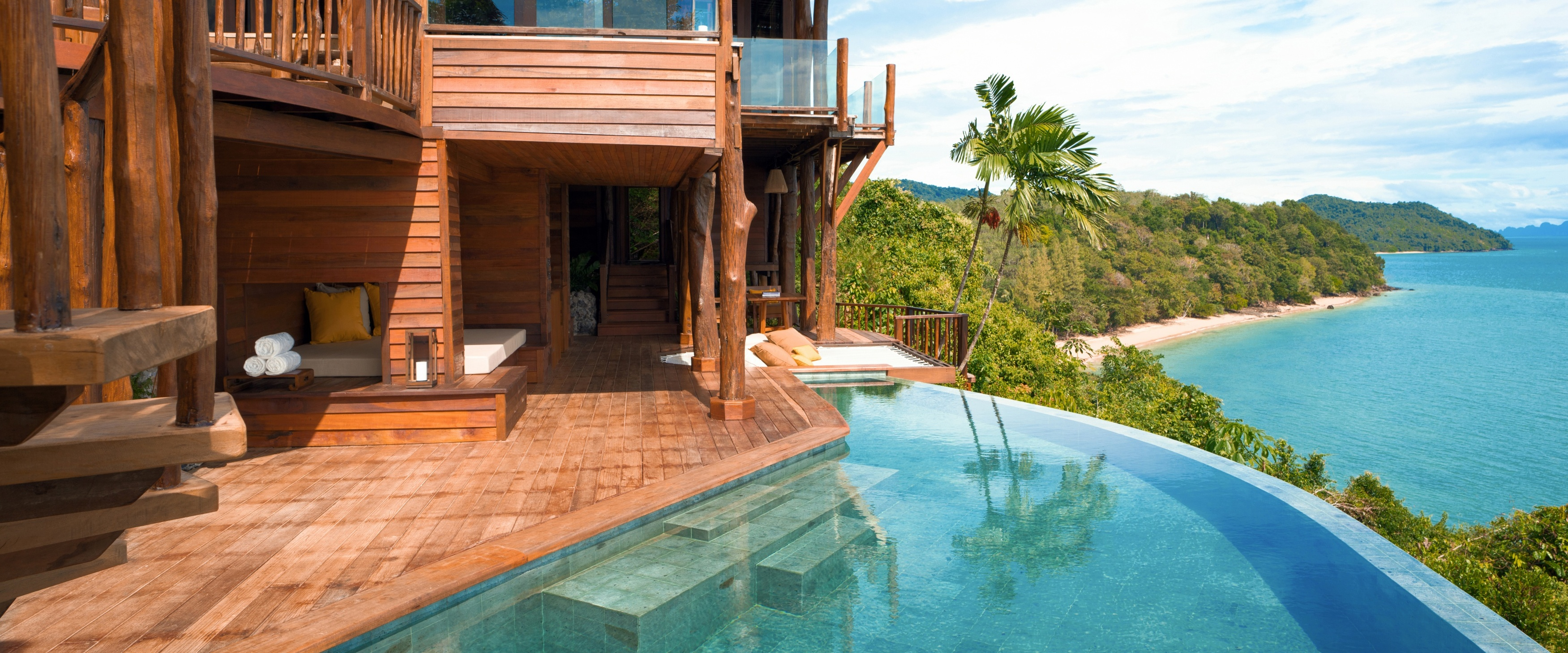 The_View_Pool_Deck
