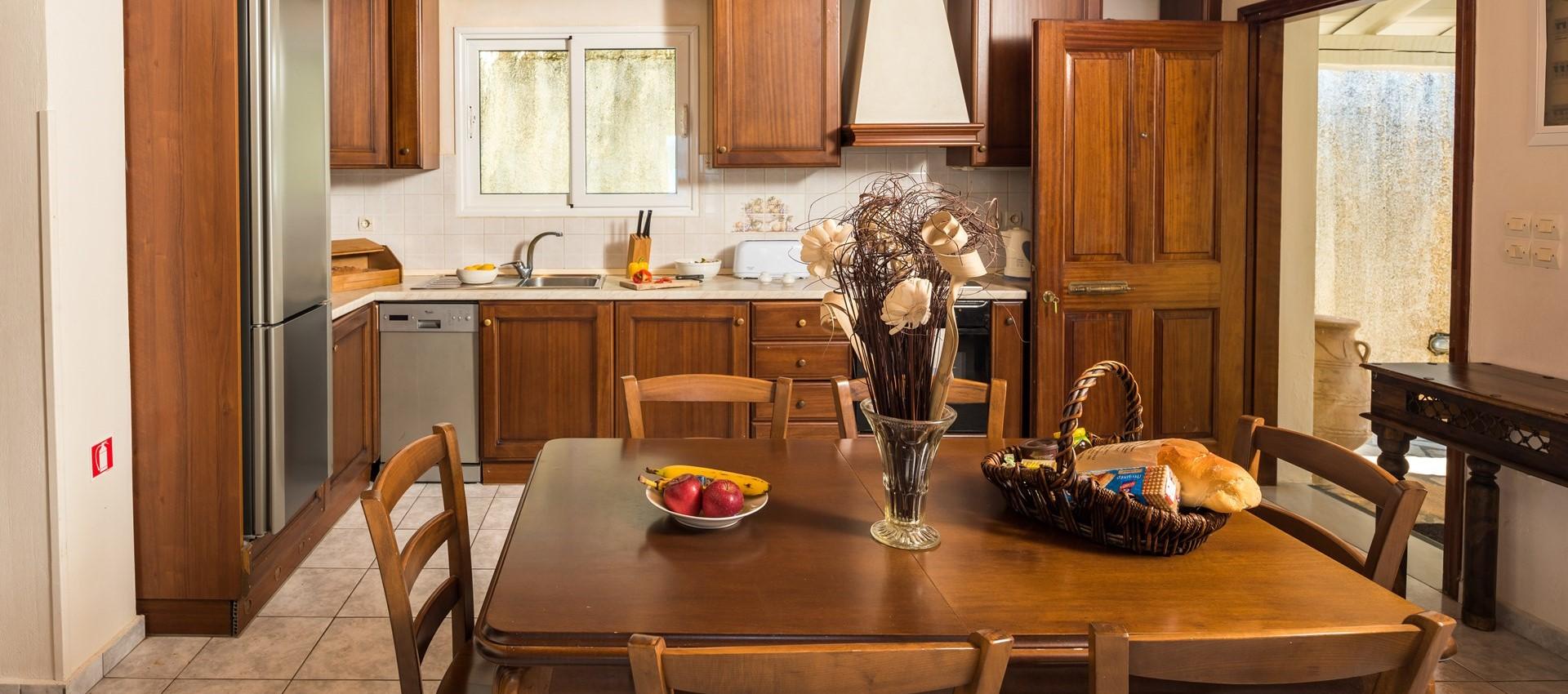 villa-giorgos-corfu-kitchen