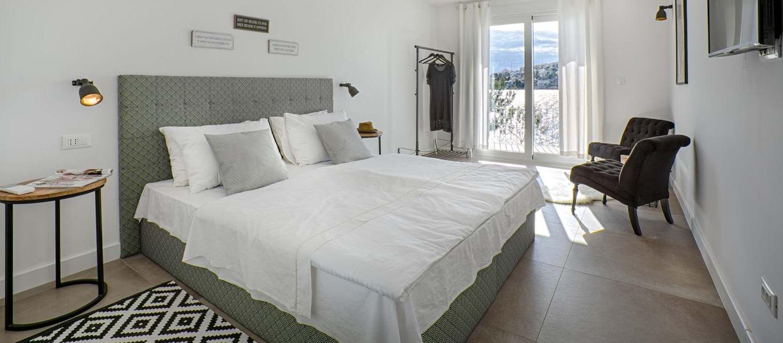 villa-arcadia-double-bedroom-1
