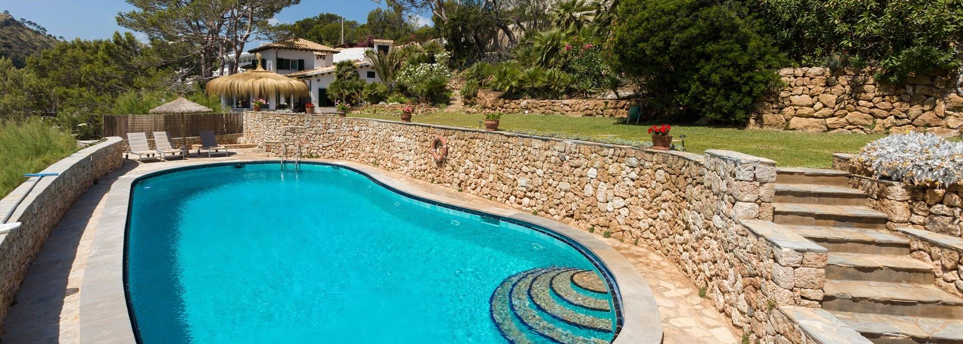 villa-mar-azul-swimming-pool