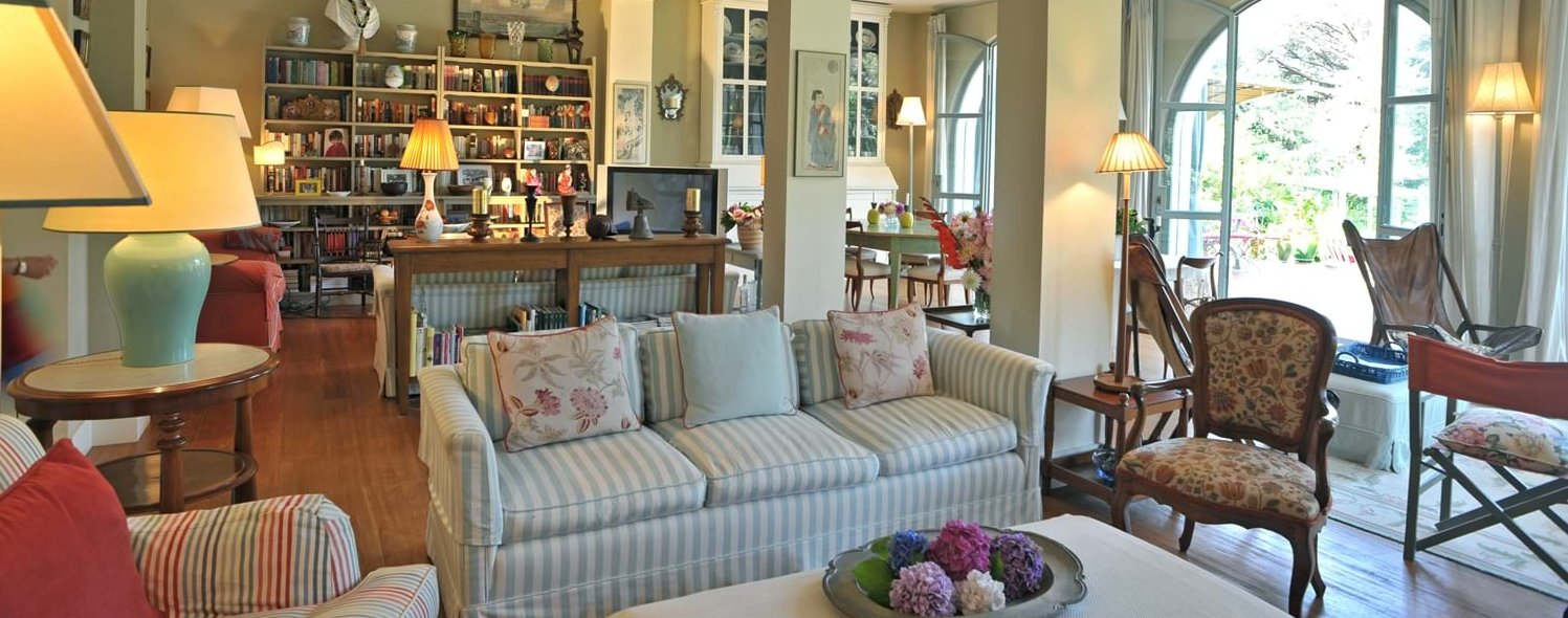 beach-house-tuscany-open-plan-interior