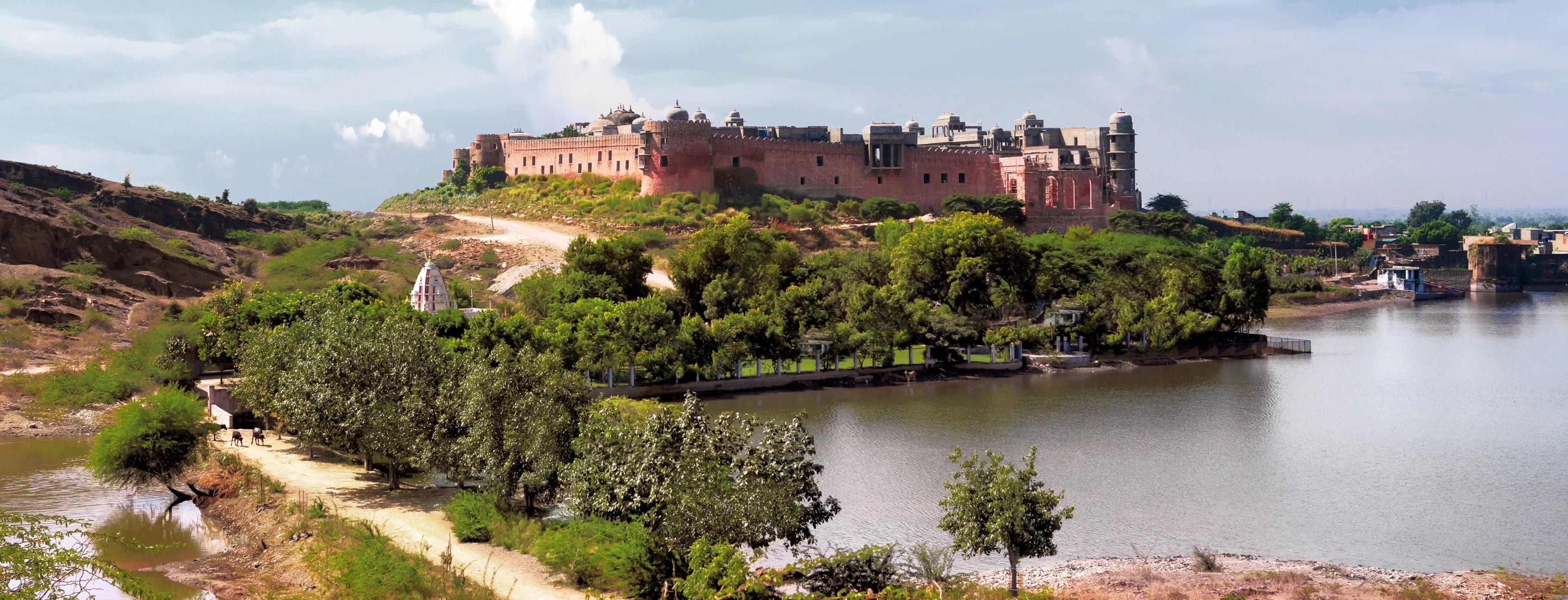 Six-Senses-Fort-Barwara-exterior