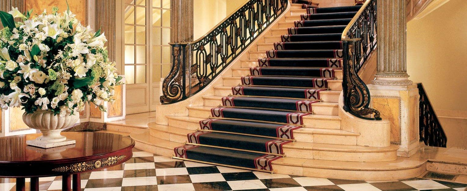 elegant-interior-four-seasons-hotel