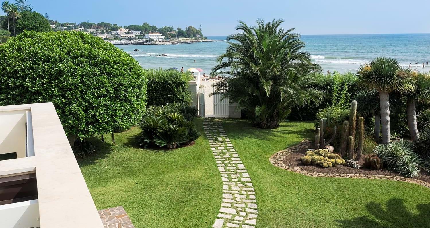 sicily-4-bedroom-beach-villa