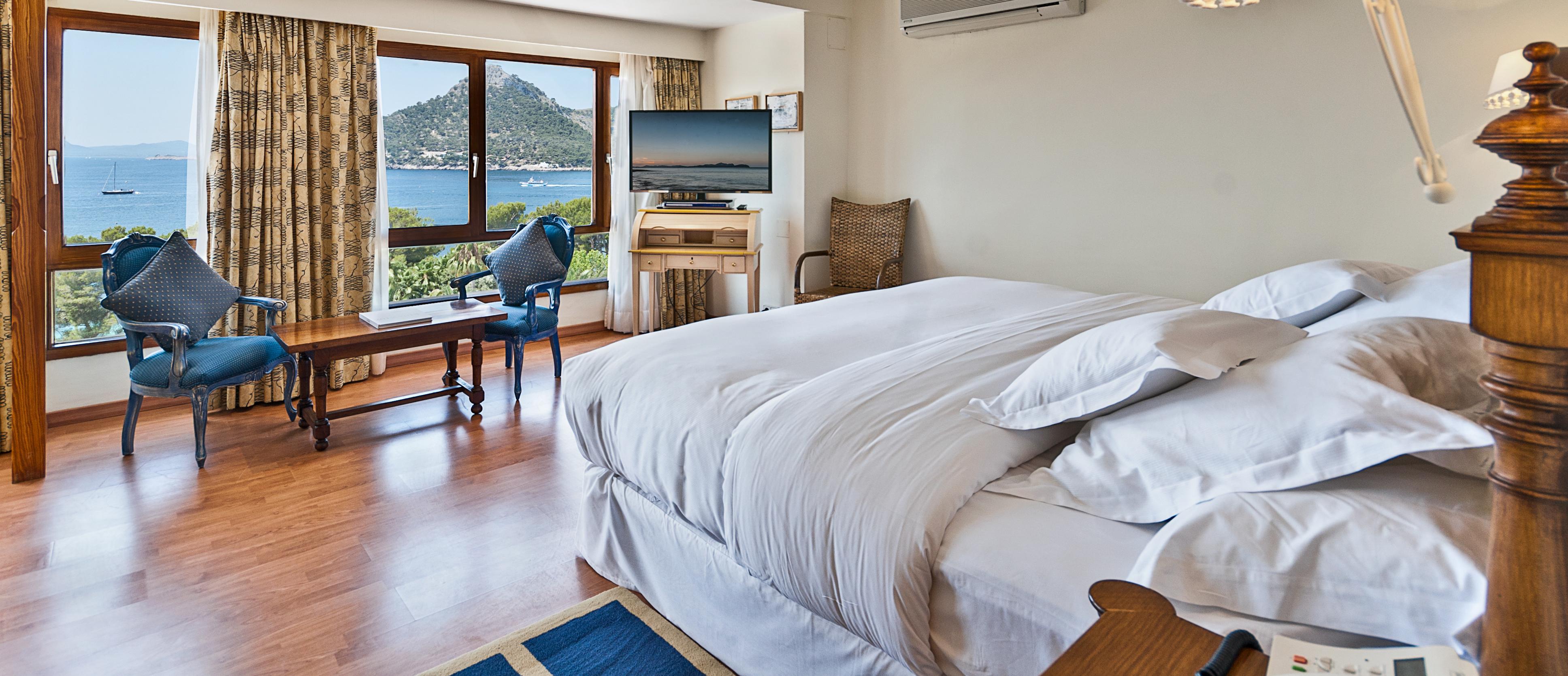 luxury-accommodation-hotel-formentor