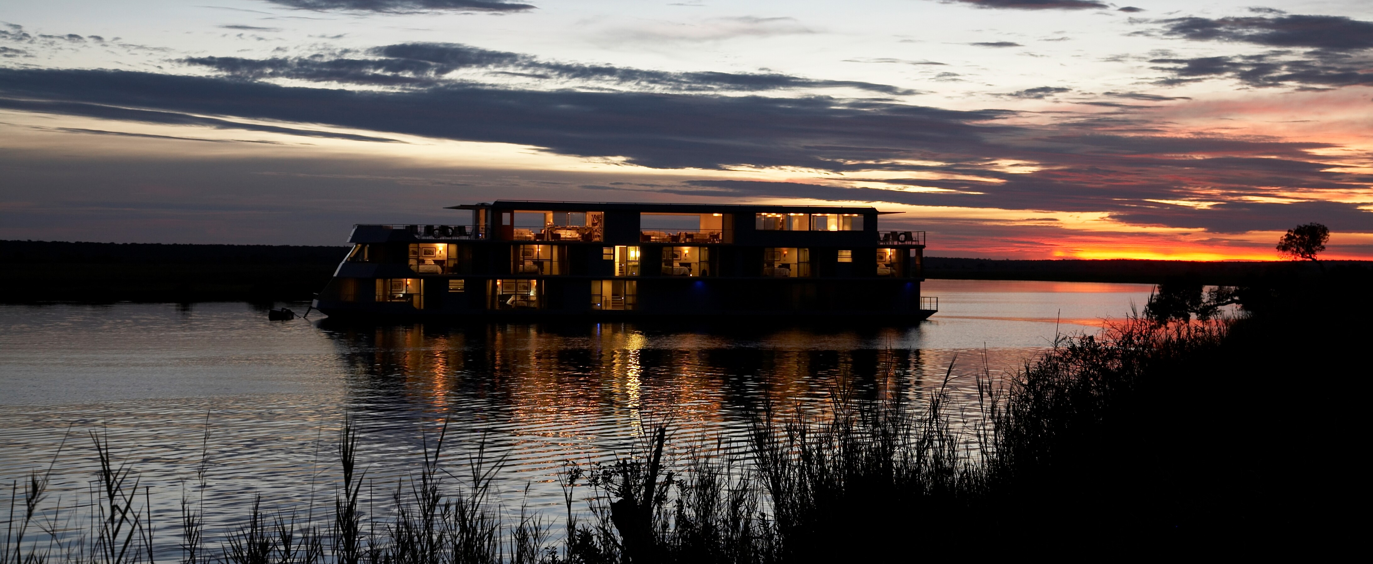 zambezi-queen-luxury-cruise-botswana