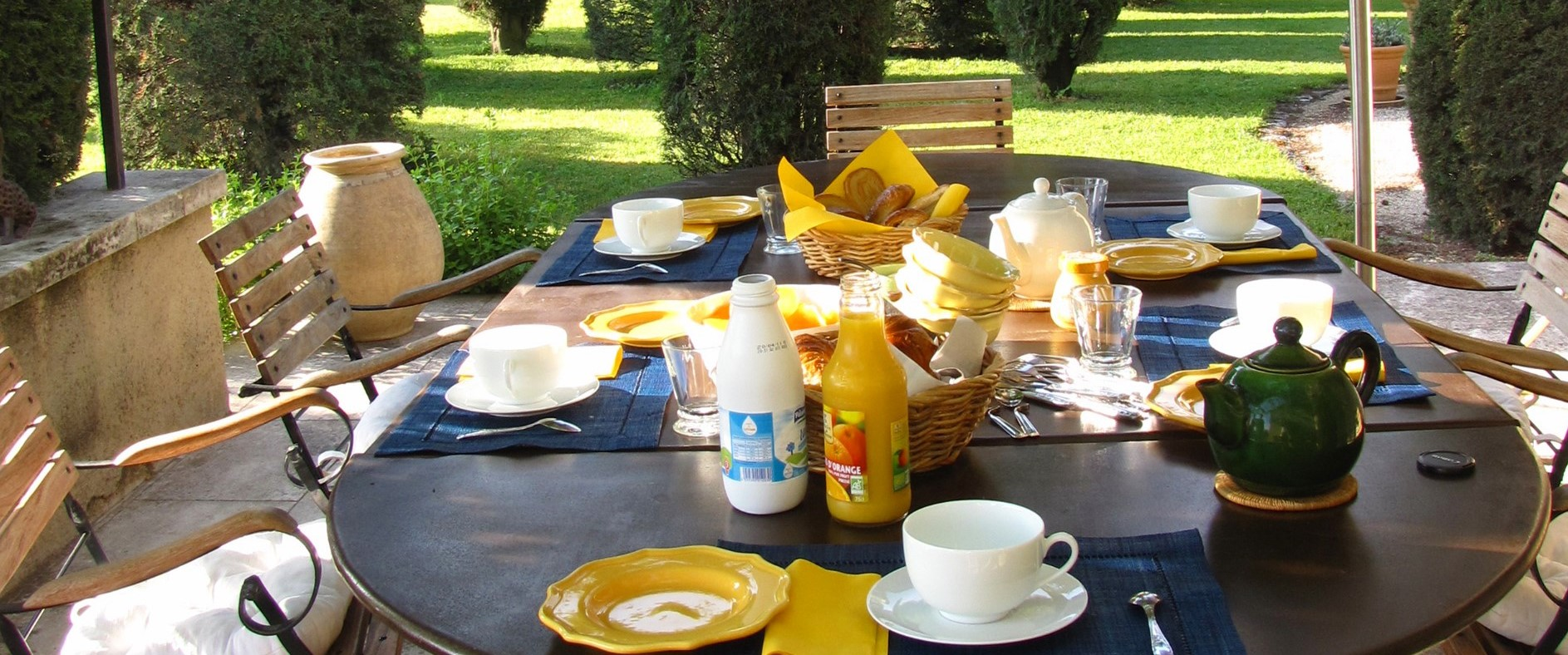villa-isabelle-dining-terrace