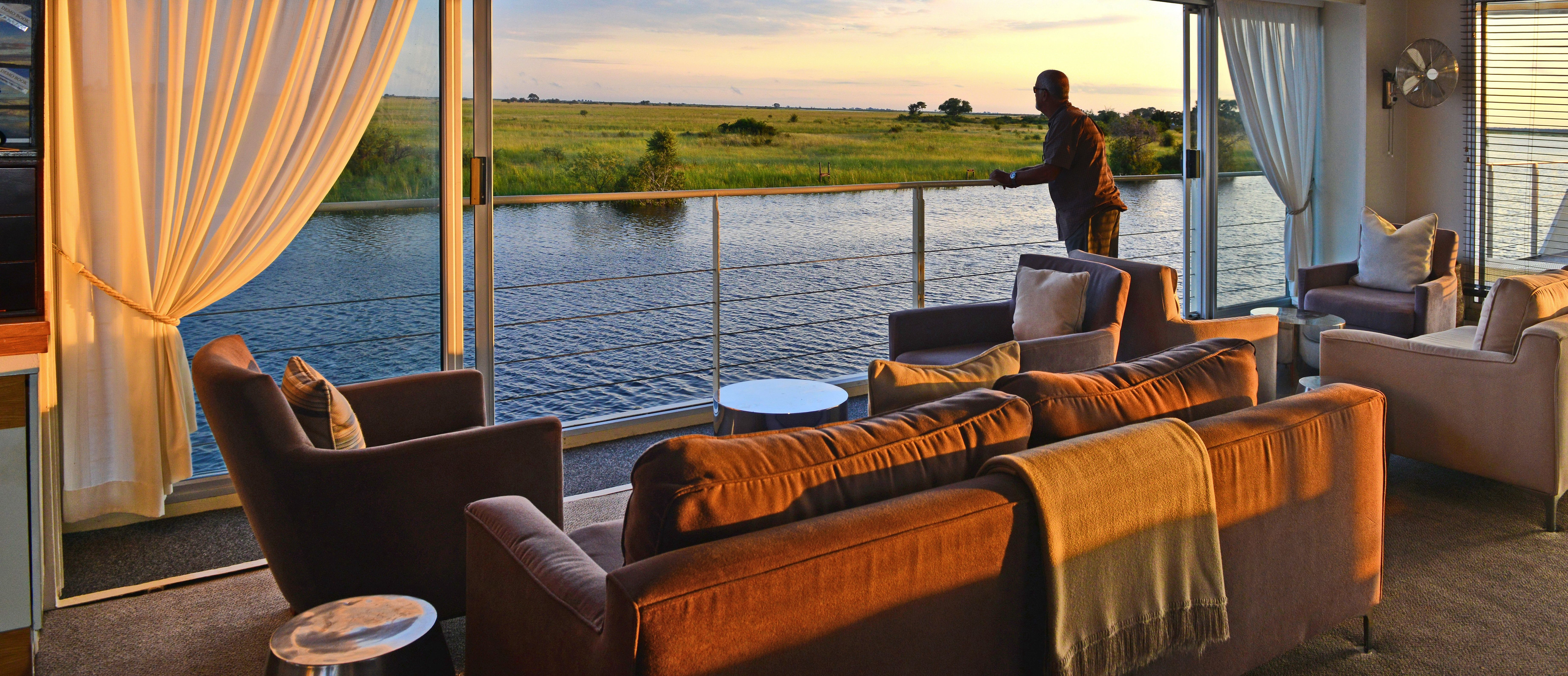 luxury-safari-chobe-river-cruise
