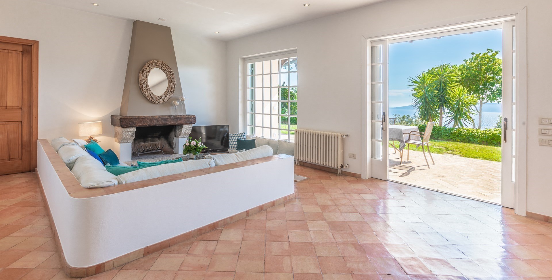 villa-vista-giglio-open-plan-living