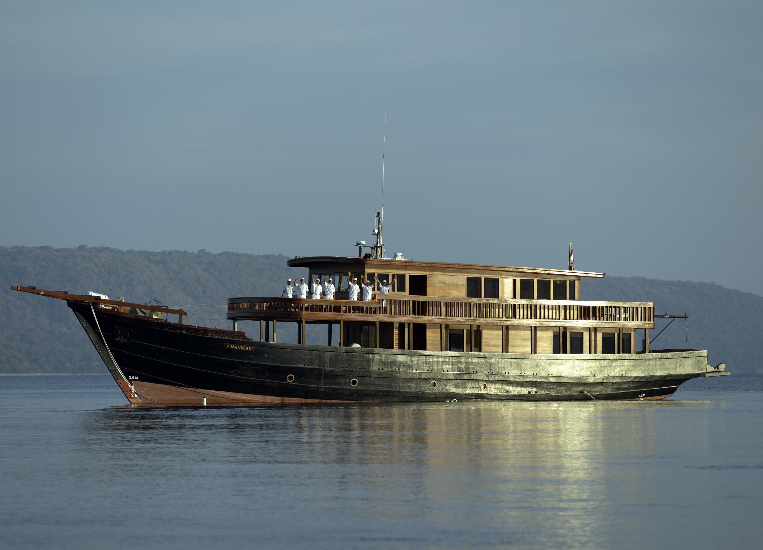 tailor-made-luxury-cruise-indonesia