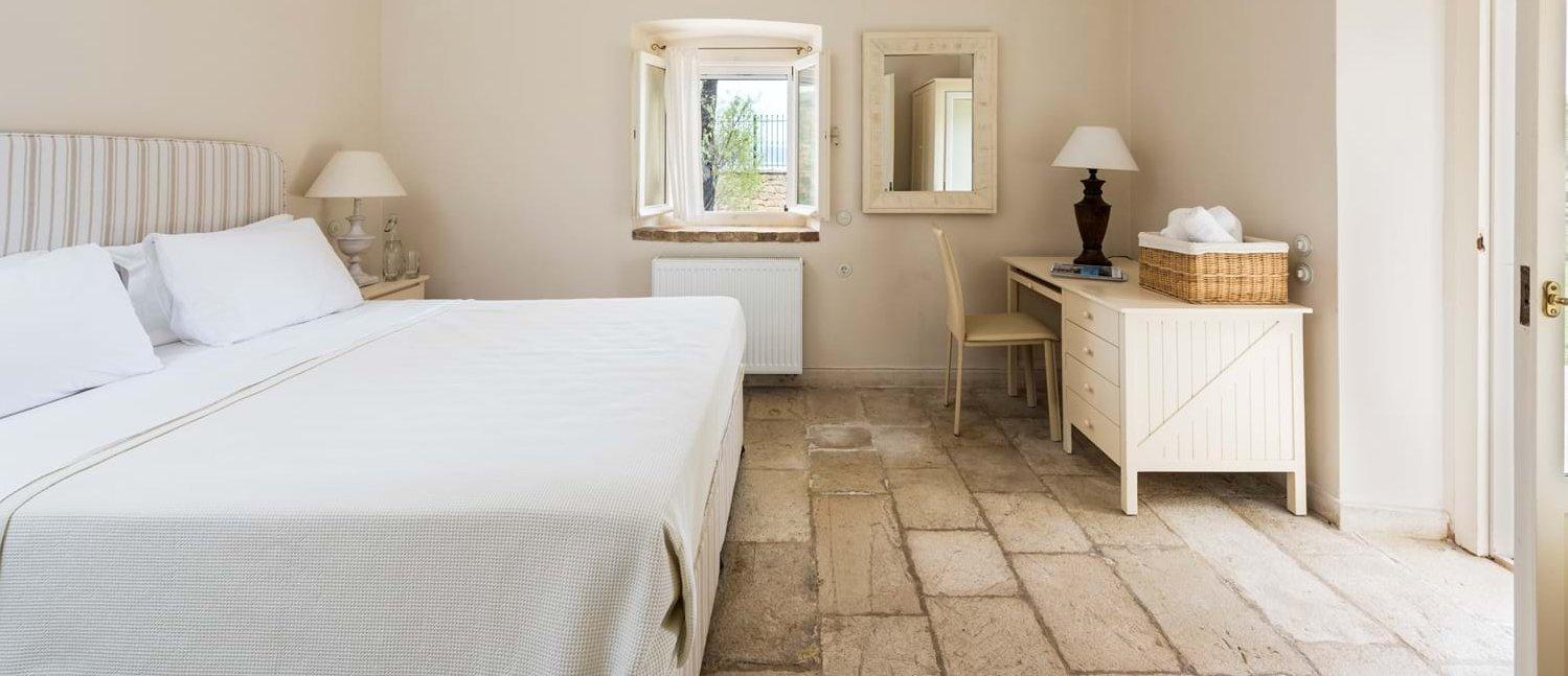 villa-archontiko-double-bedroom-2