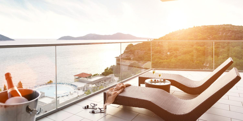 Sun-Gardens-Dubrovnik-luxury-suite