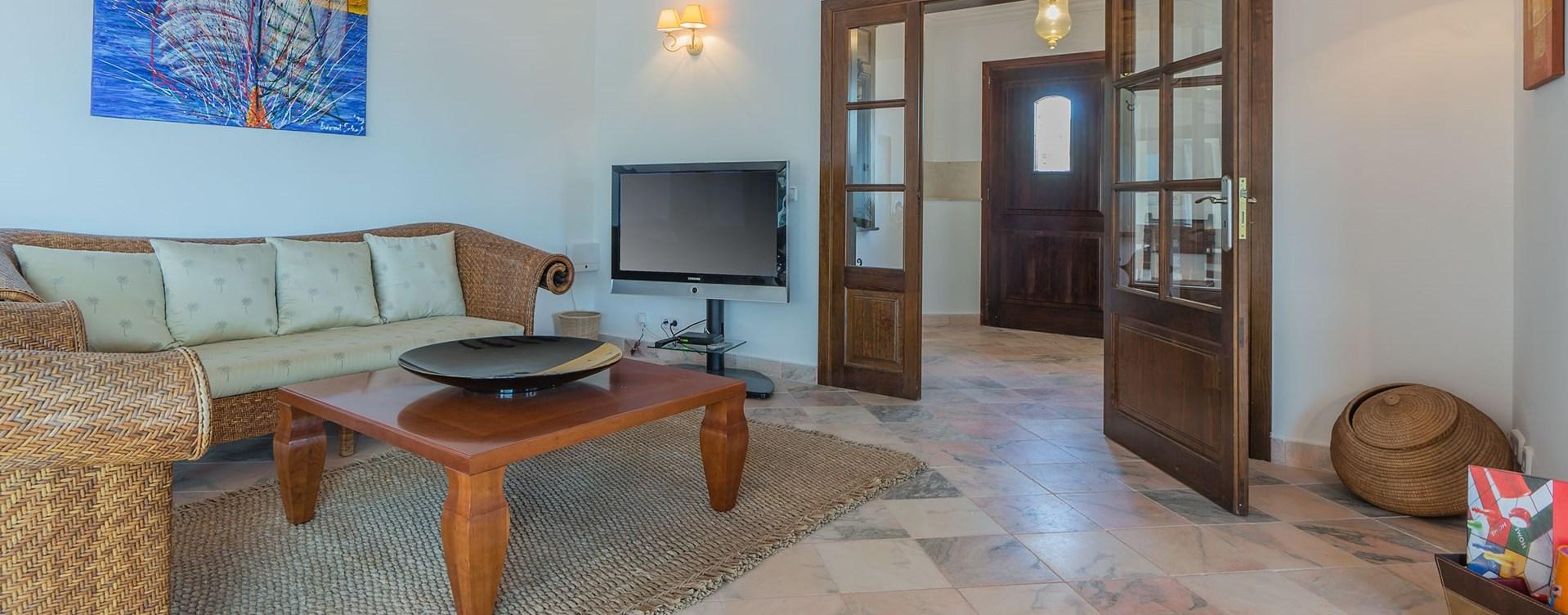 el-mirador-tv-room