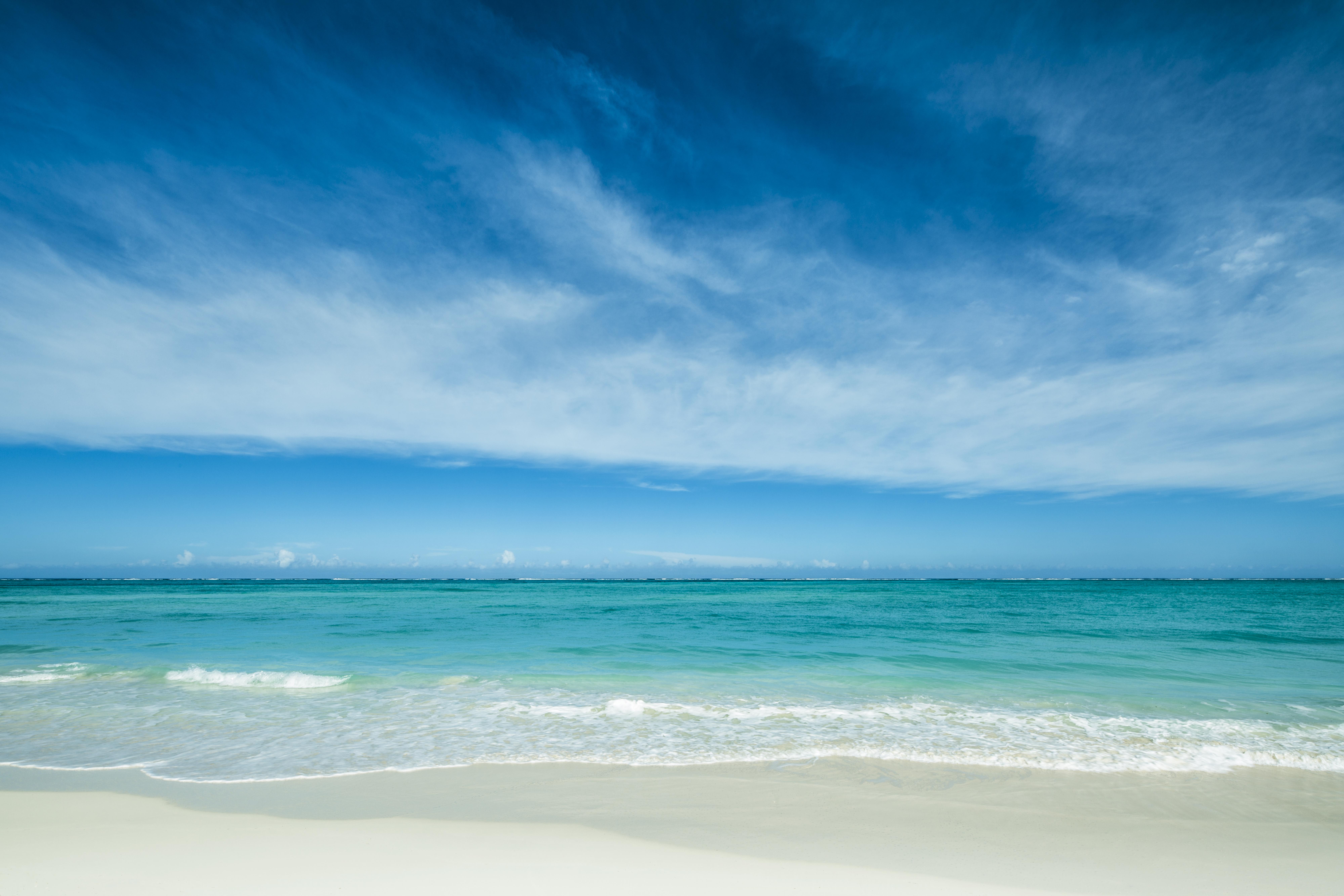 como-parrot-cay_white_sand_beach