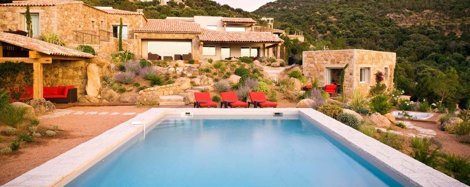 luxury-family-pool-villa-corsica