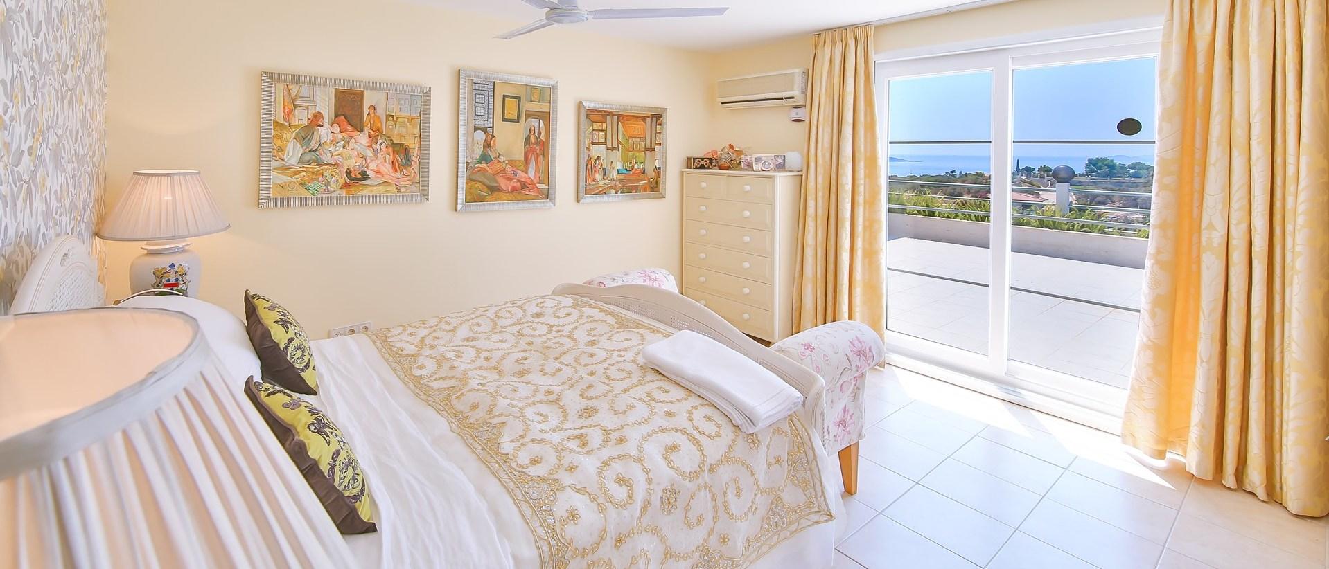 luxury-6-bedroom-family-villa-turkey